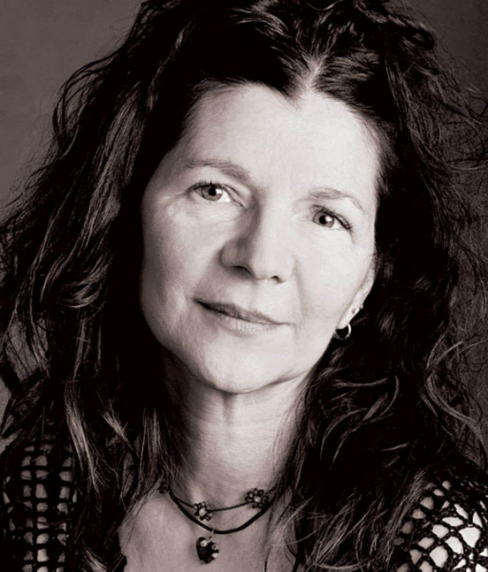 Lyne Richard insuffle au texte de son roman Ne dites pas à ma mère que je suis vivant une force poétique et visuelle qui rend hommage à la beauté.