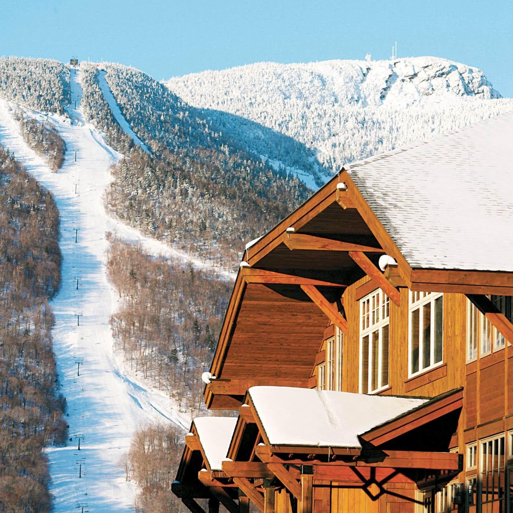 L'hôtel de style alpin Stowe Mountain Lodge est situé tout près des pistes de ski.