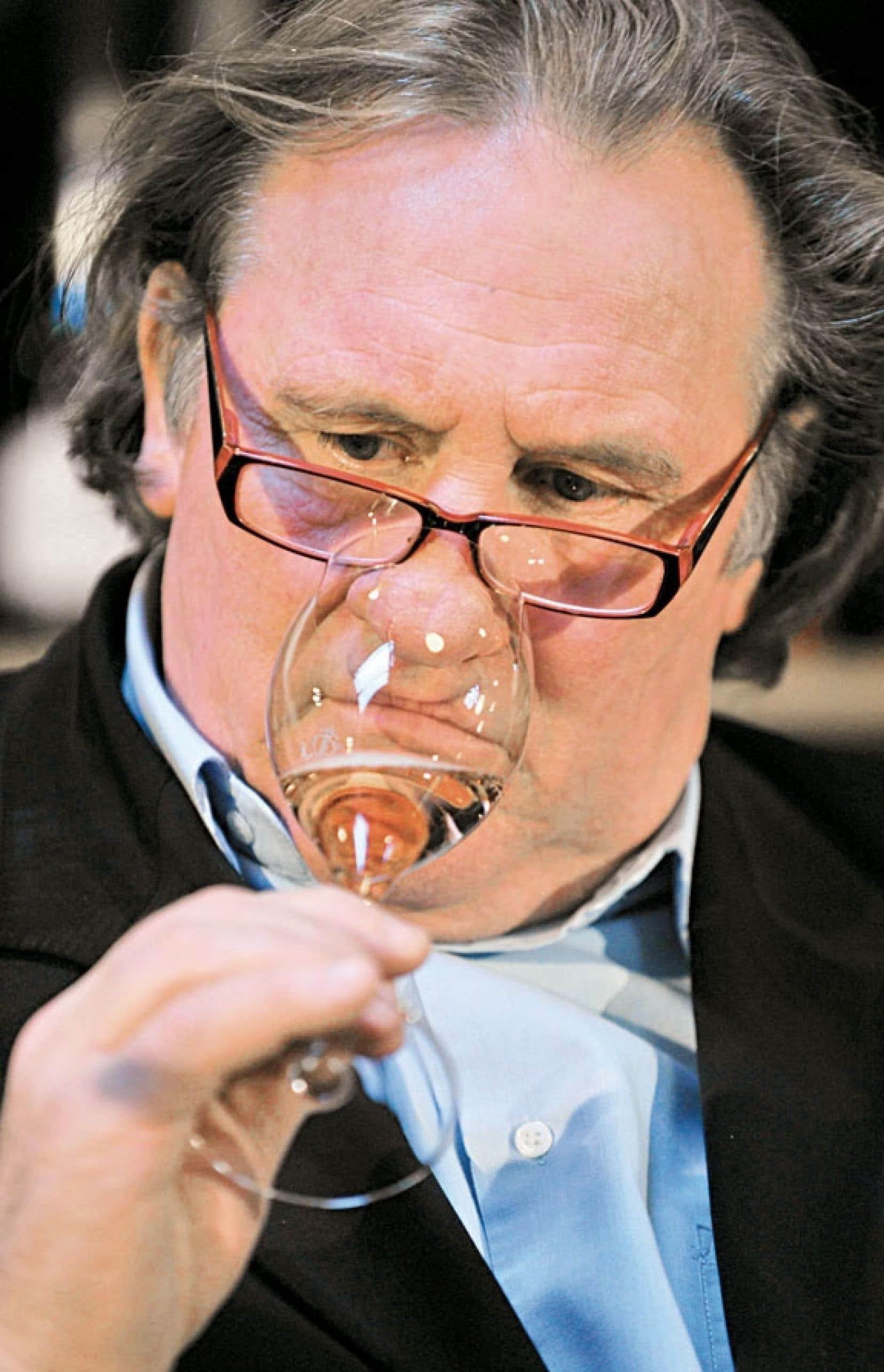<div> Loin de s'émouvoir sur la vindicte politique dont Gérard Depardieu fait toujours l'objet, Vincent Maraval croit, cela dit, qu'il serait plus pertinent de dénoncer le système, et non l'individu.</div>