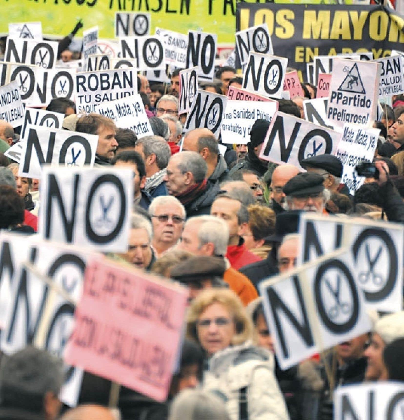 L'adoption de mesures d'austérité, comme en Espagne, ont amené les citoyens de plusieurs pays européens à manifester — parfois violemment — contre leurs dirigeants politiques.