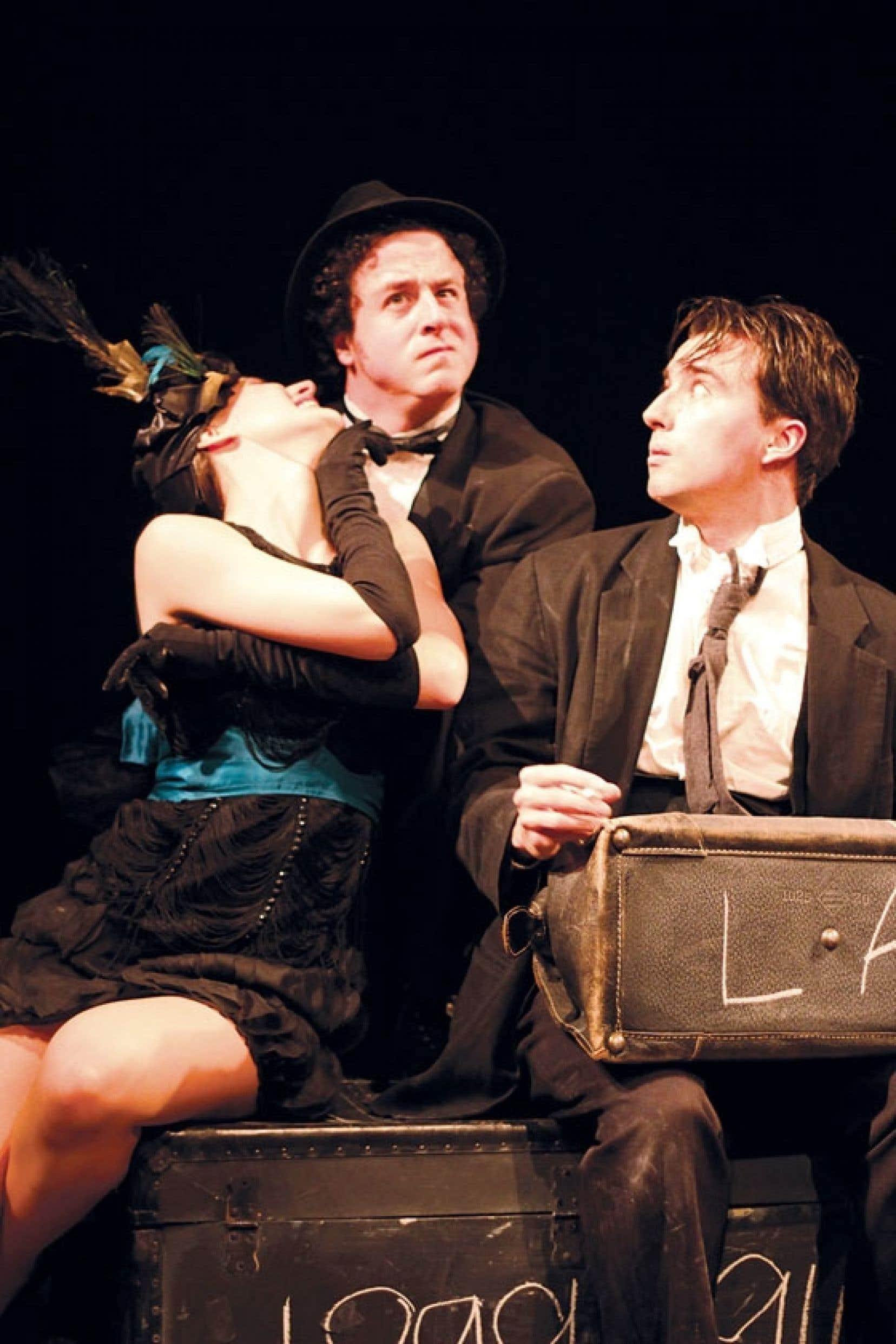 Danièle Simon, Charles-Étienne Beaulne et Raphaël Posadas dans la pièce Le « K » Buster, qui se présente comme un hommage au cinéma muet et à l'une de ses têtes de file, Buster Keaton.