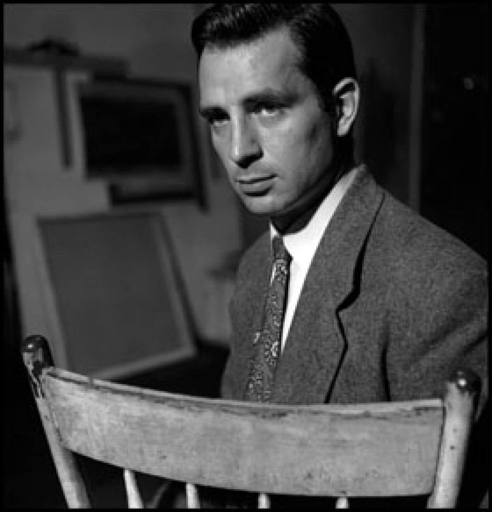 L'écrivain Jack Kerouac à New York en 1953, à l'époque où il rédigea en français au moins un roman et des nouvelles, inédits à ce jour.