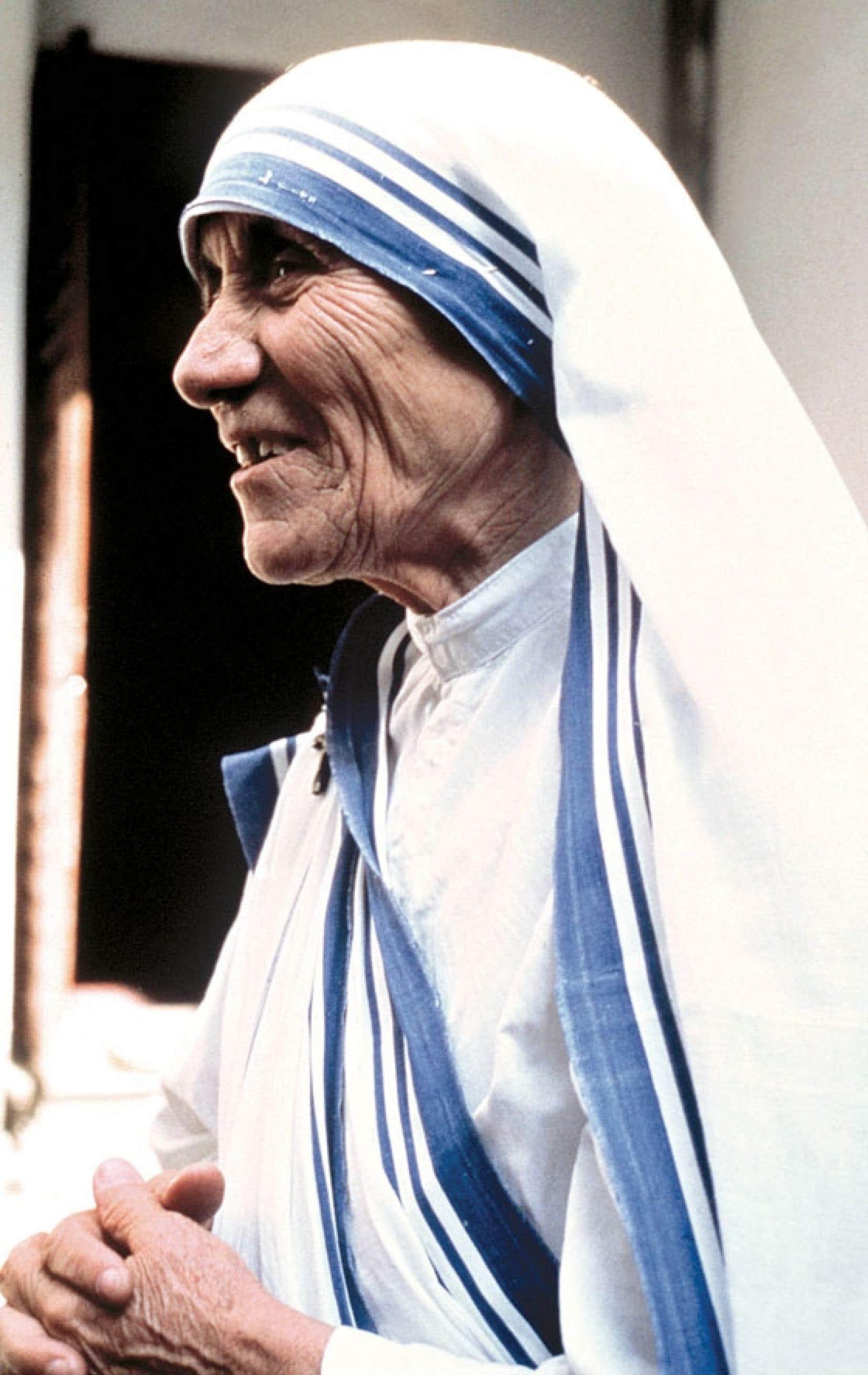 <div> Mère Teresa est morte d'une attaque cardiaque dans ses locaux de Calcutta en 1997.</div>