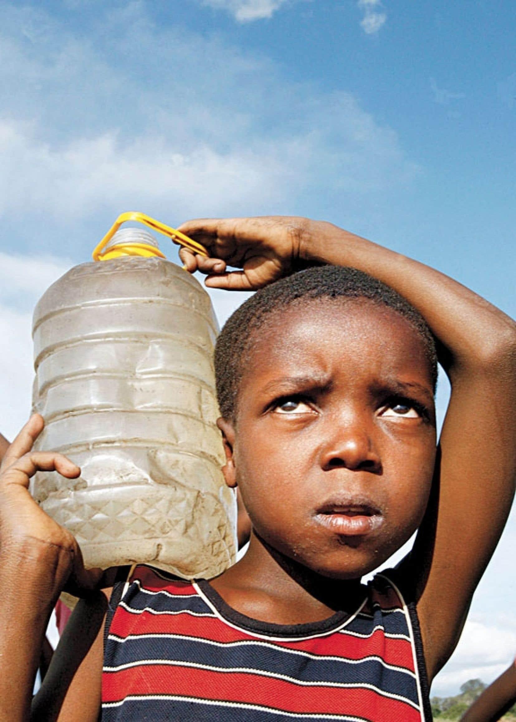 L'extrême pauvreté n'épargne pas les enfants: sept millions d'enfants de moins de cinq ans meurent chaque année, victimes innocentes d'une répartition inégale de la richesse.