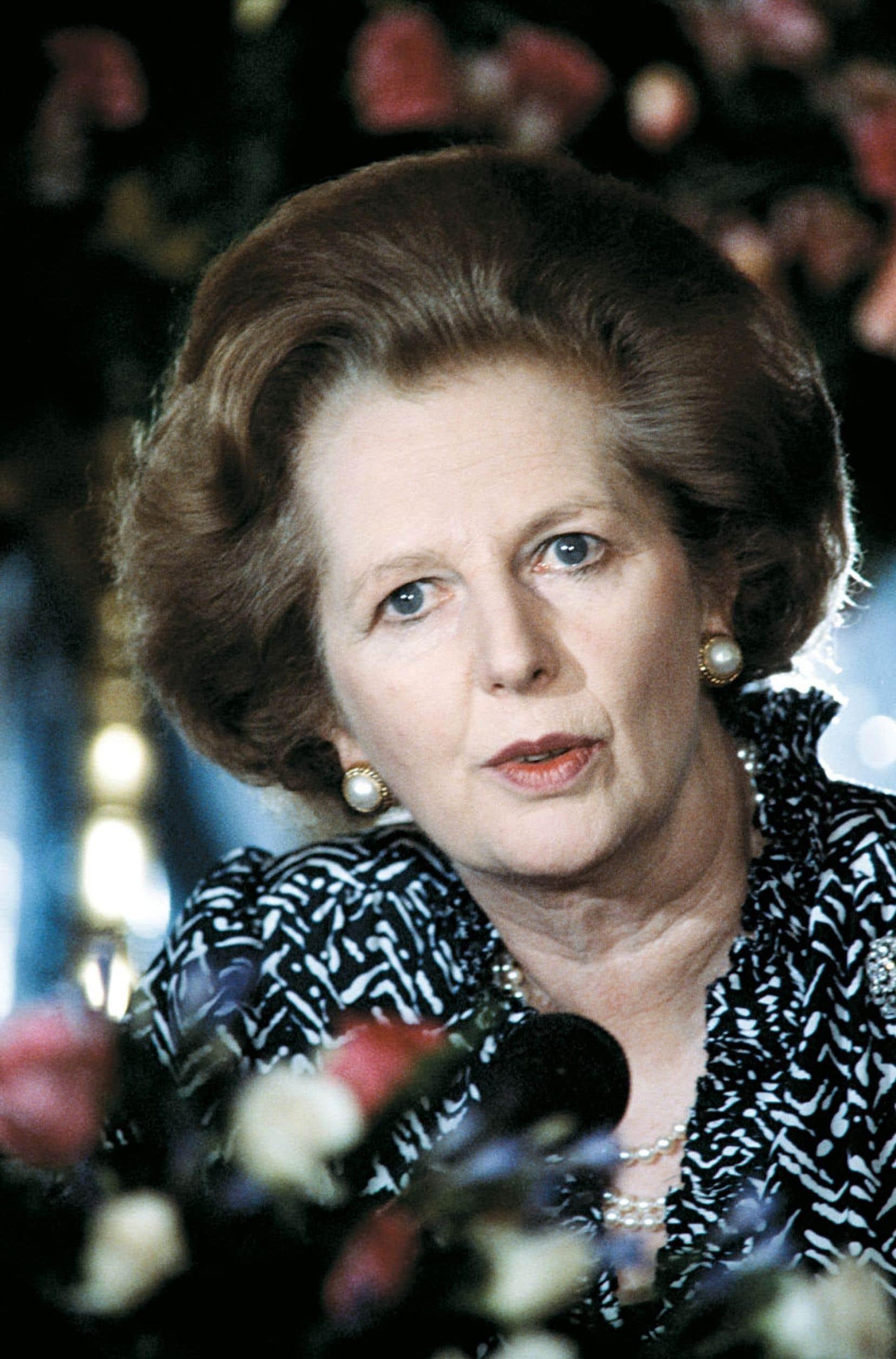 Seule femme à avoir dirigé le Royaume-Uni, Margaret Thatcher, qu'on appelait la « Dame de fer » en raison de la rigidité de ses politiques néolibérales, est morte lundi à 87 ans à la suite d'un accident vasculaire cérébral, plus de vingt-deux ans après avoir quitté le 10, Downing Street. Elle est ici photographiée lors d'une visite en Israël en 1986.
