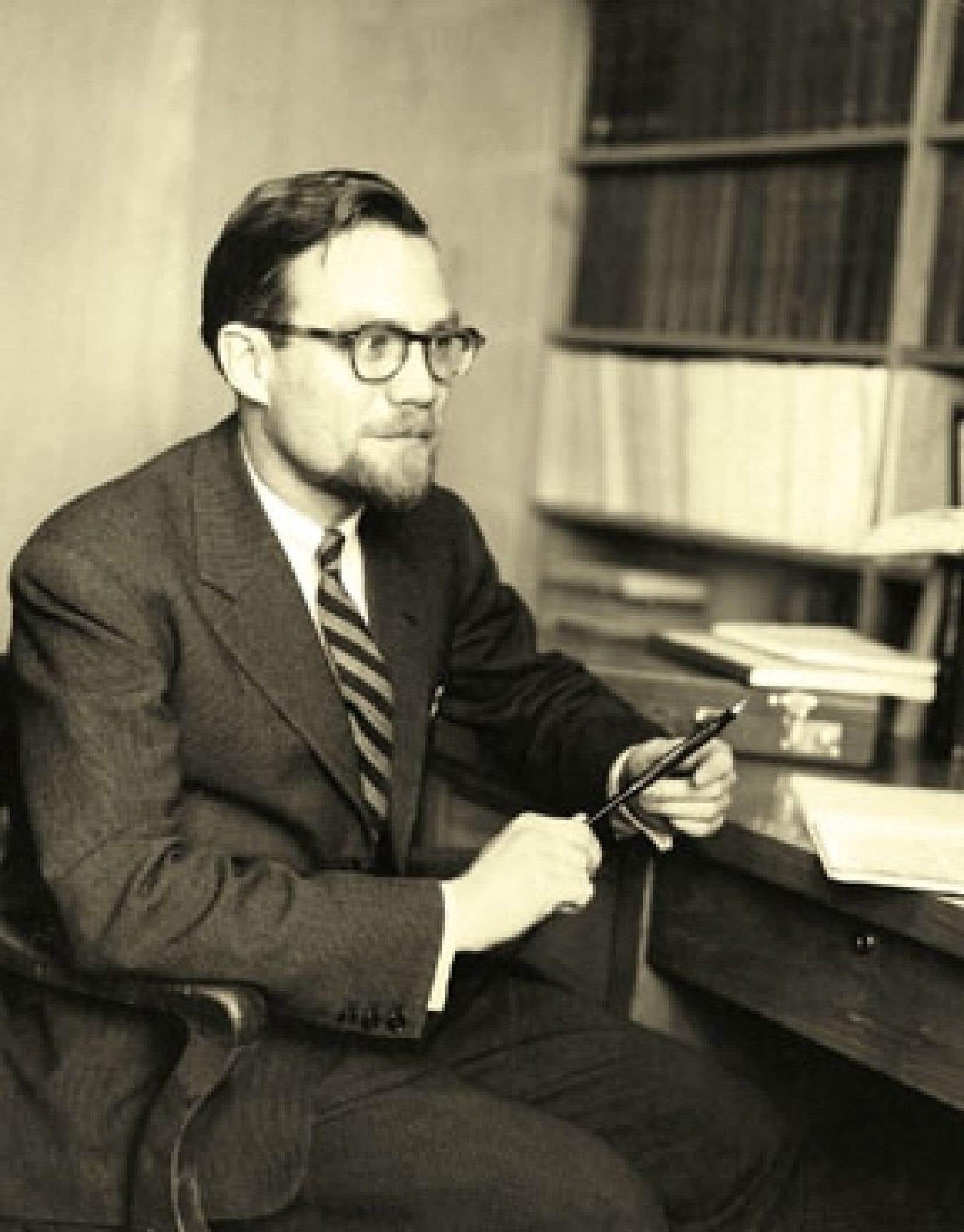 Jacques-Yvan Morin a notamment été président des États généraux du Canada français en 1967.
