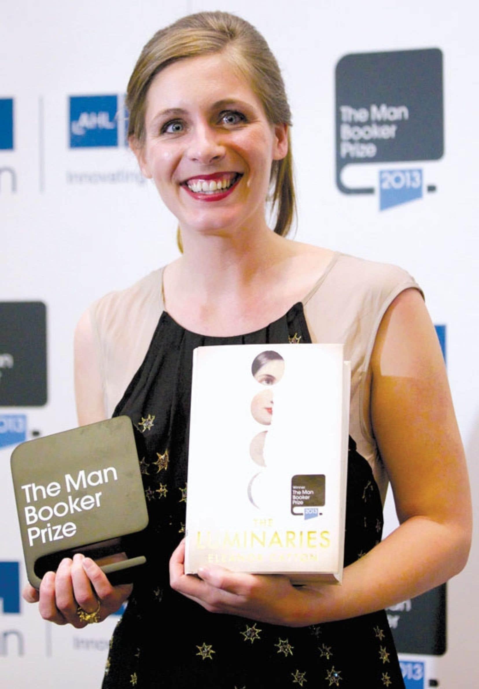 Âgée de tout juste 28 ans, Eleanor Catton devient la plus jeune lauréate de l'un des prix littéraires les plus prestigieux au monde.