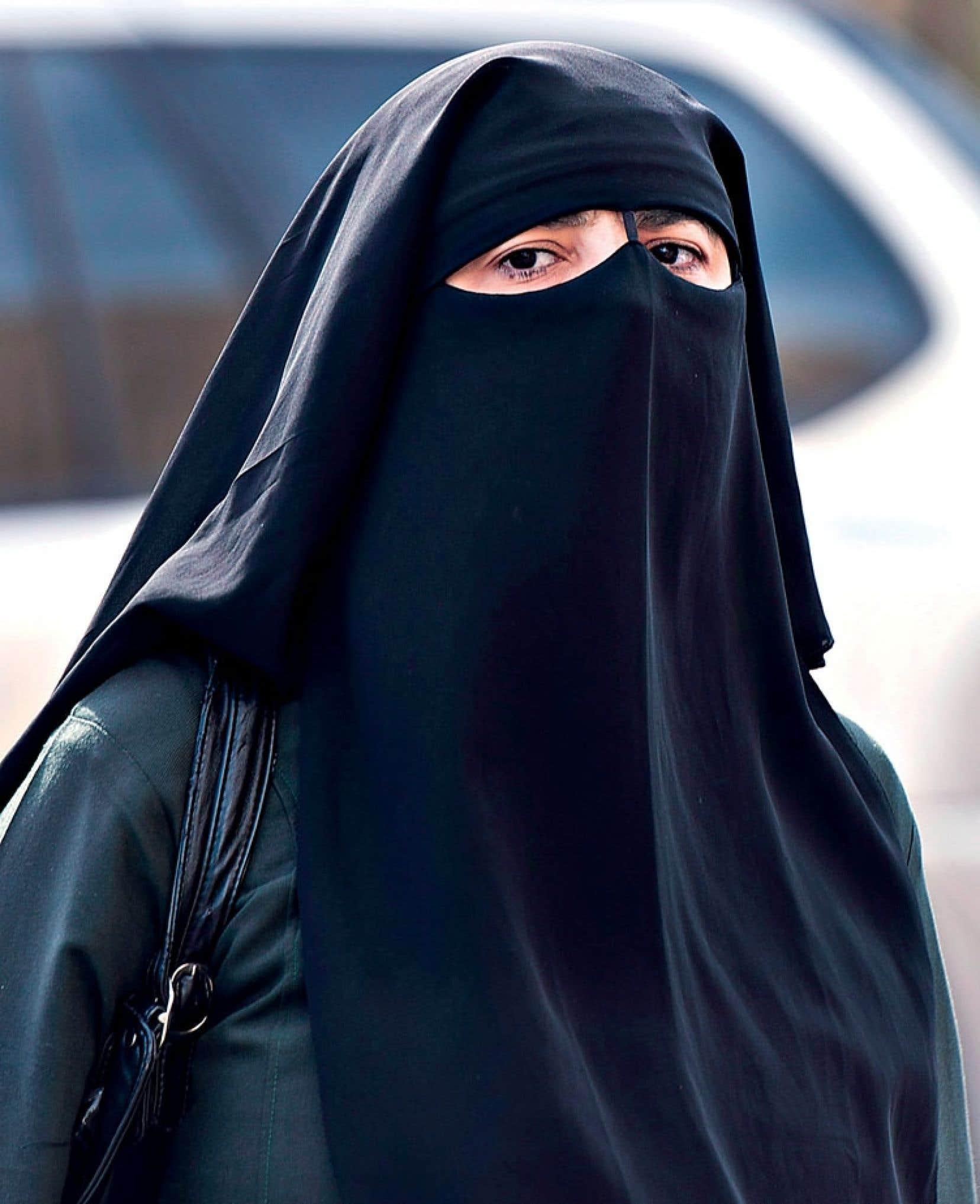 Au lendemain de l'arrêt de la Cour suprême de décembre 2012 autorisant le port du niqab (notre photo) devant les tribunaux, l'auteur appelait déjà à ce que le Québec se dote d'un modèle de laïcité particulier.