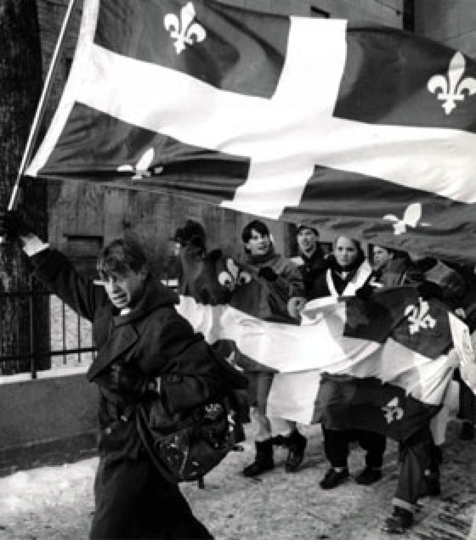 Nombreuses ont été les manifestations (dont celle-ci à Montréal en 1988) pour protester contre les «attaques» auxquelles a été soumise la loi 101 au fil des ans en invoquant la Charte canadienne des droits.