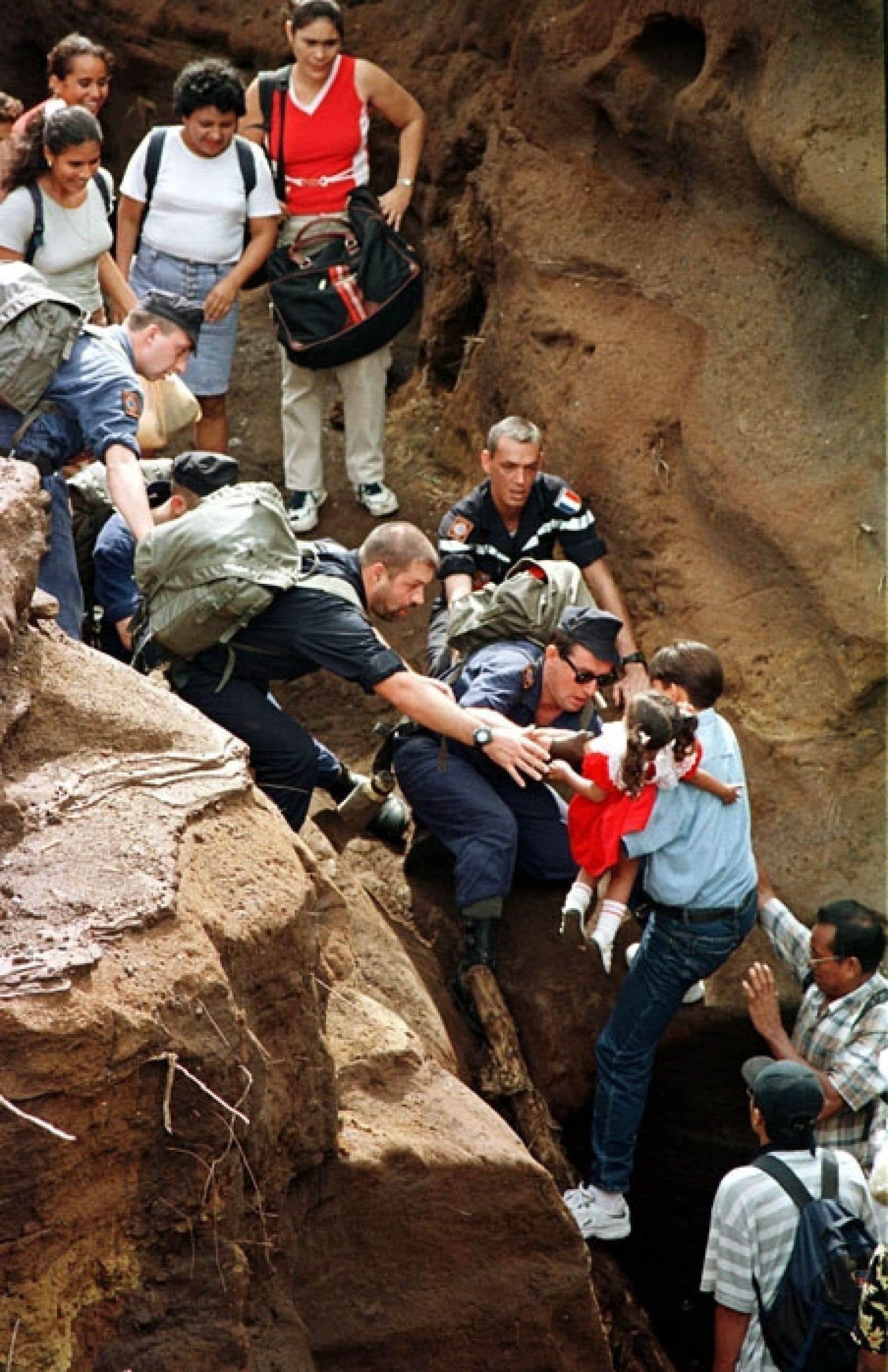 Paul Cliche croit en l'organisation des populations civiles pour influencer les politiques du futur. Il donne un exemple datant de 1998, quand l'ouragan Mitch avait frappé l'Amérique centrale. «Dans toutes les régions où on avait travaillé dans les années antérieures et où les populations étaient organisées, il n'y a pas eu de mortalité.»