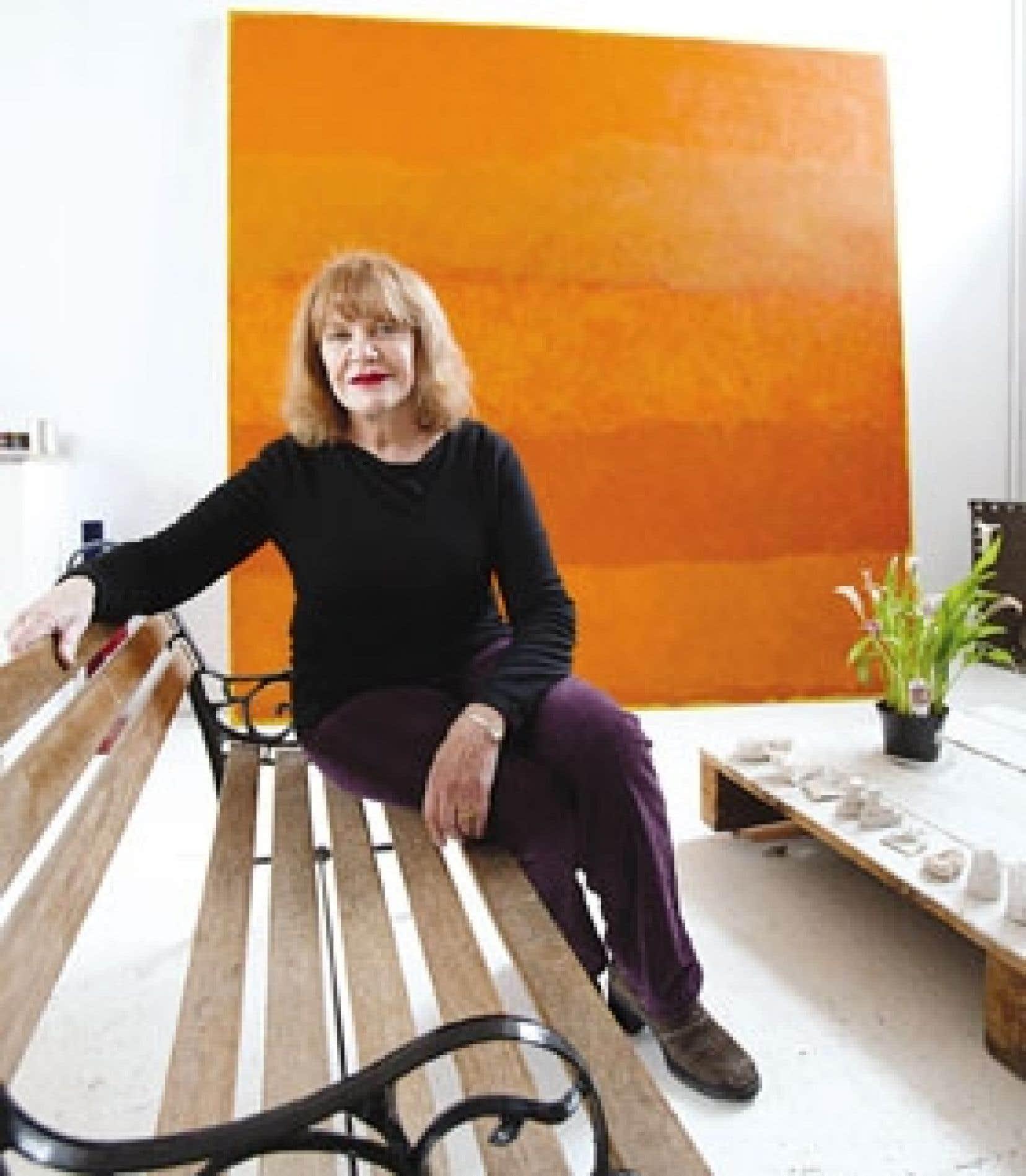 Françoise Sullivan dans son atelier.