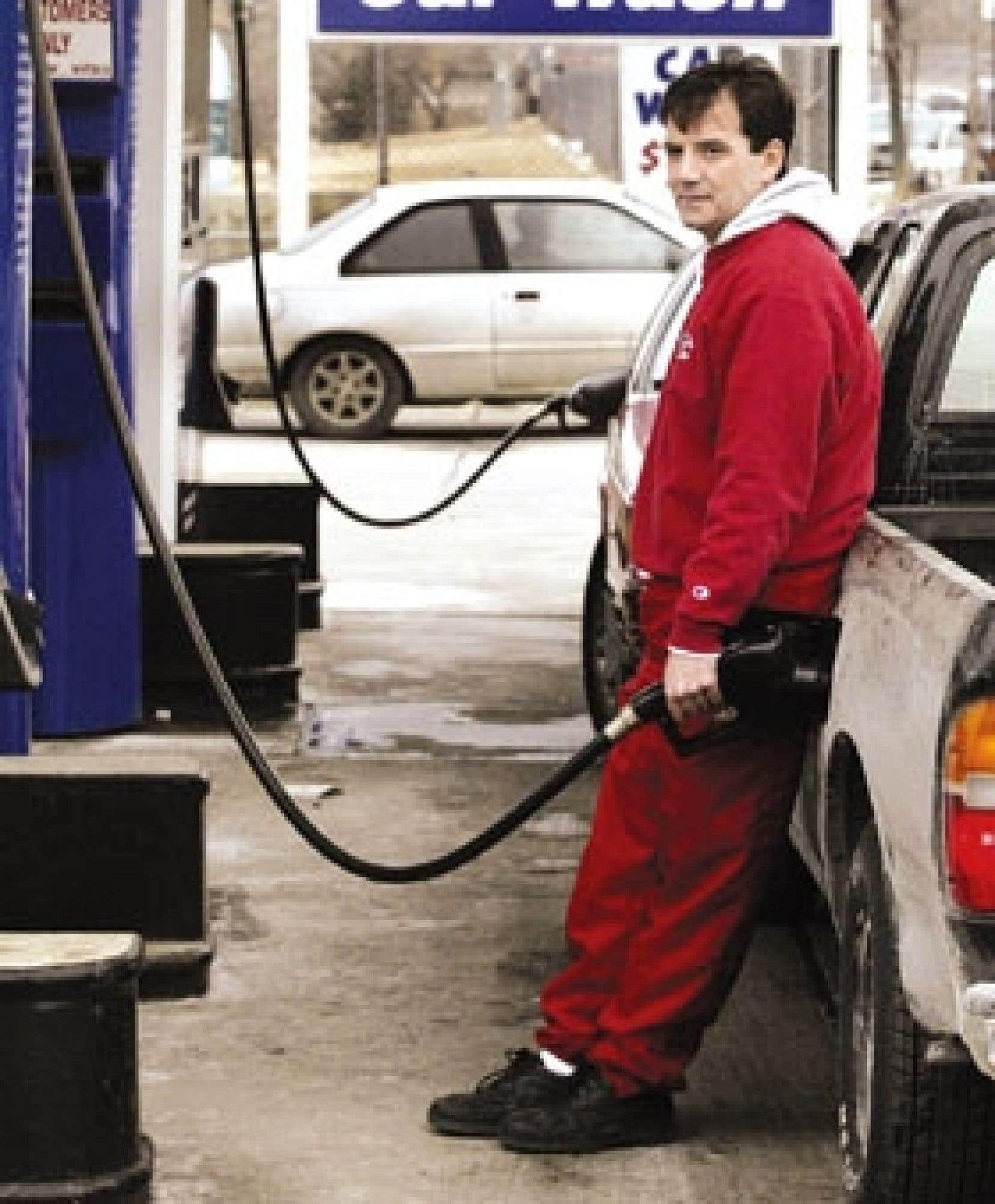 Lors d'une séance de la Commission parlementaire de l'économie et du travail, deux représentants de l'industrie ont affirmé que la somme annuelle de 200 millions que veut leur facturer le gouvernement Charest représente 1,3 ¢ par litre. Or la