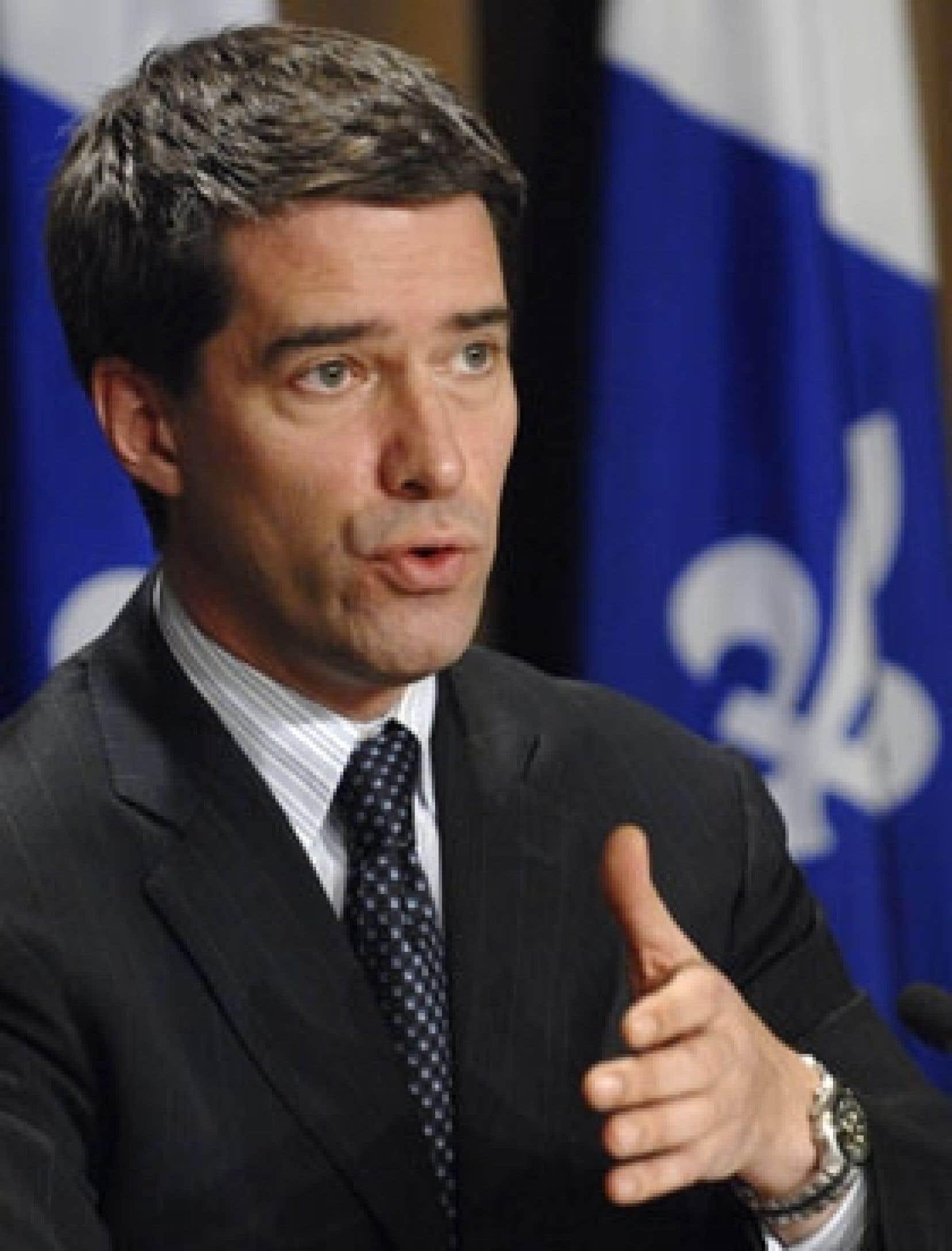 Le chef du Parti québécois, André Boisclair, a promis un Québec «plus riche, plus juste, plus vert et plus près des régions» s'il remporte les prochaines élections.