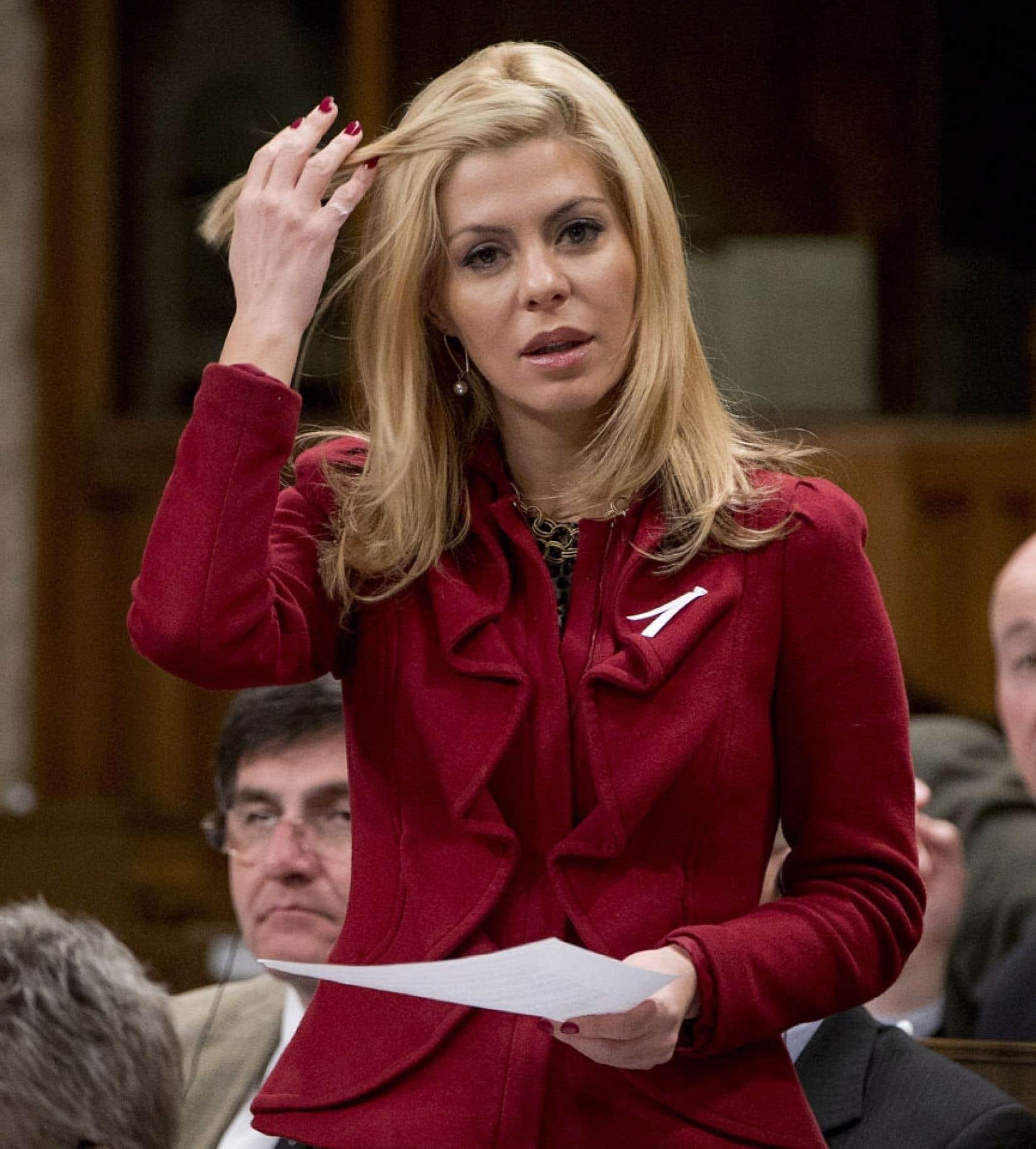 Le premier ministre a enjoint au conseil national du Parti conservateur d'enquêter sur des allégations faites à l'endroit de la députée Eve Adams.
