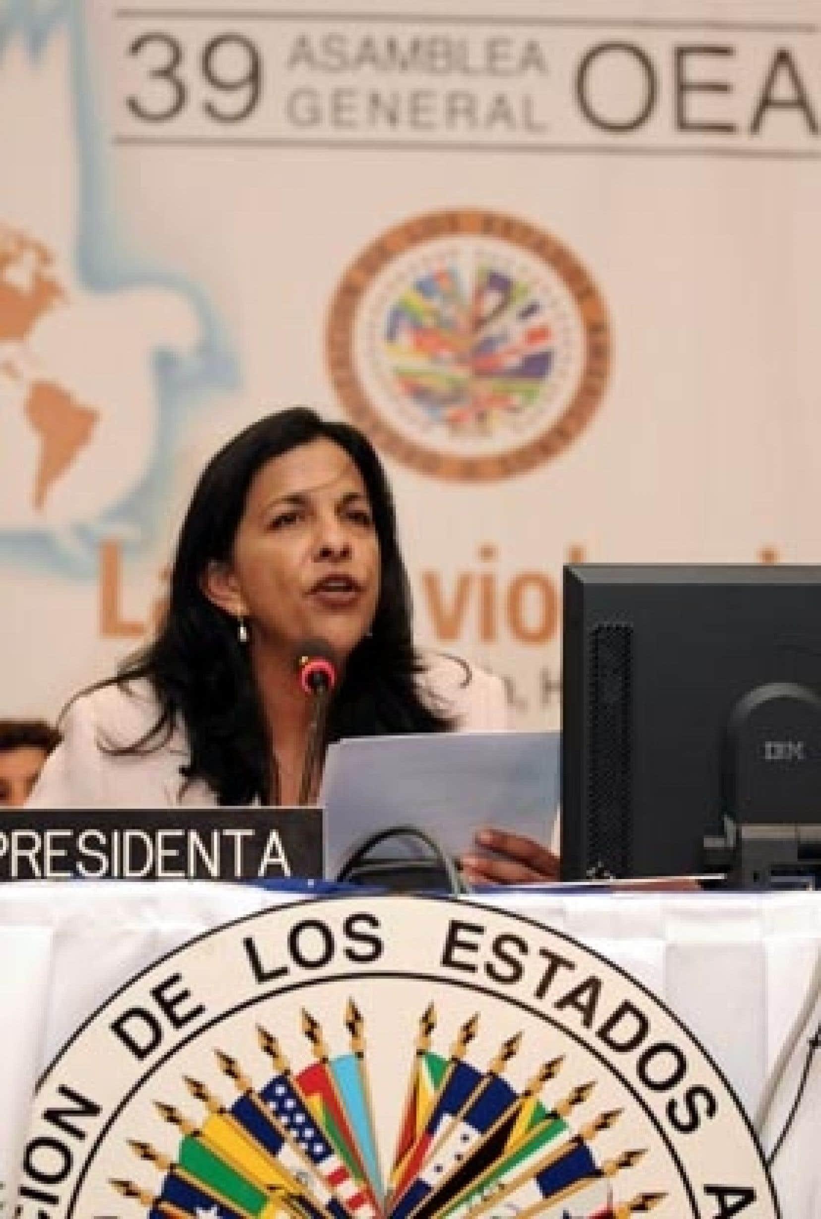La ministre hondurienne des Affaires étrangères, Patricia Rodas, a lu la résolution qui annule une décision prise en 1962.