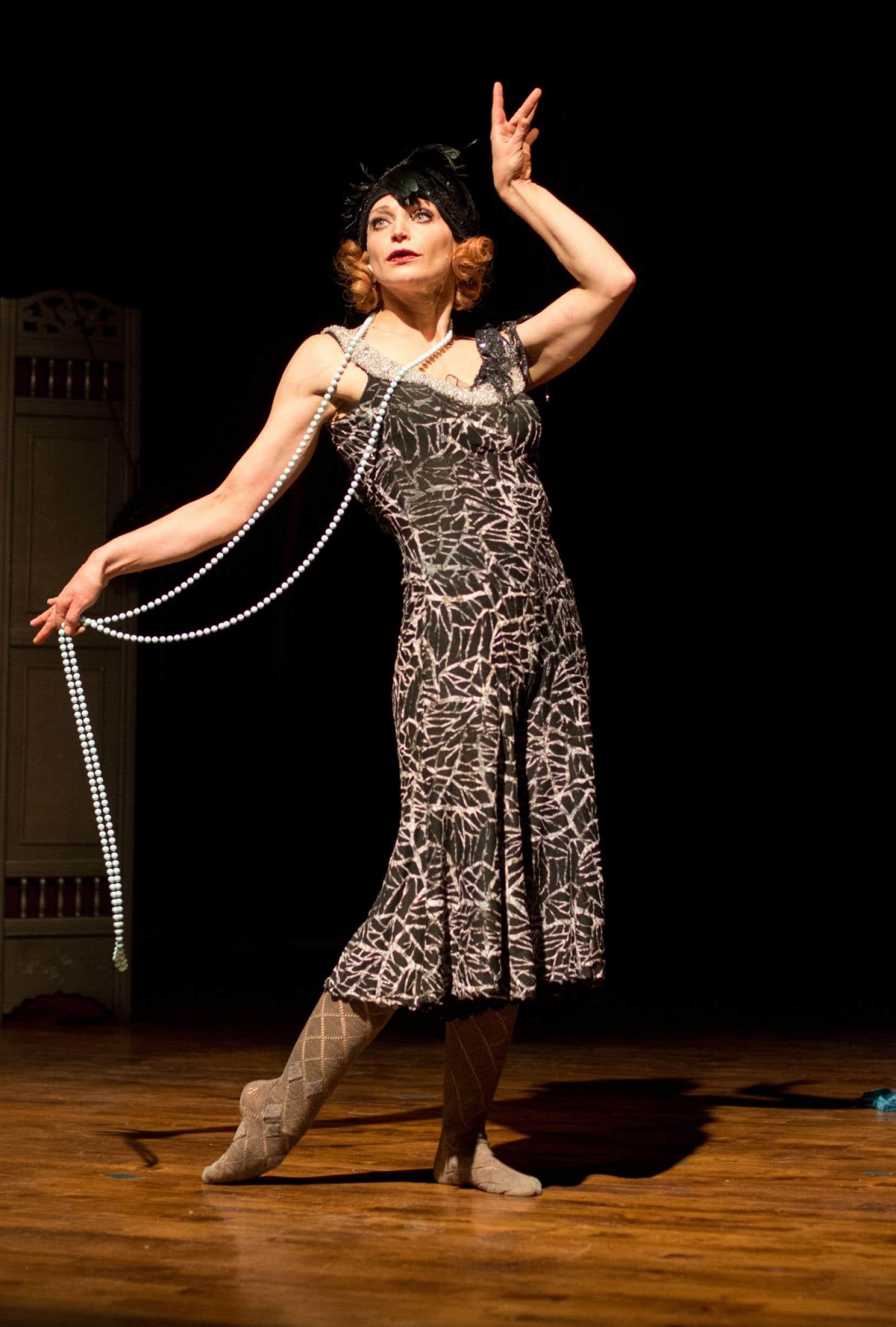 Krin Haglund, ex-acrobate dévoilée par le Cirque Éloize, passée par le Cirque du Soleil, la Clique et Les 7 doigts de la main, convie le public à une seconde rencontre dans The Rendez-vous.