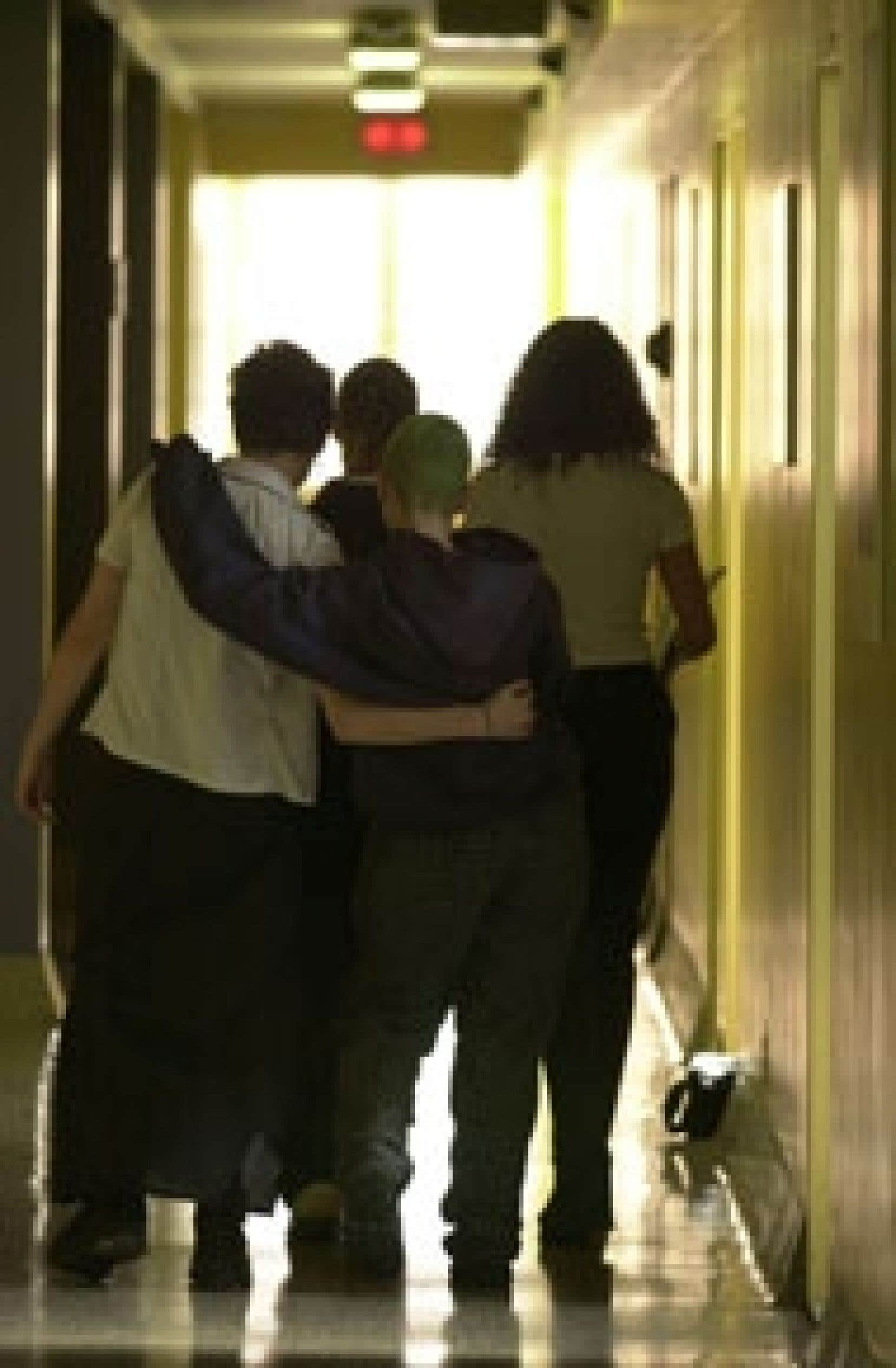 Le nombre de jeunes en détention provisoire et en probation a diminué de 8 % en 2003-04.