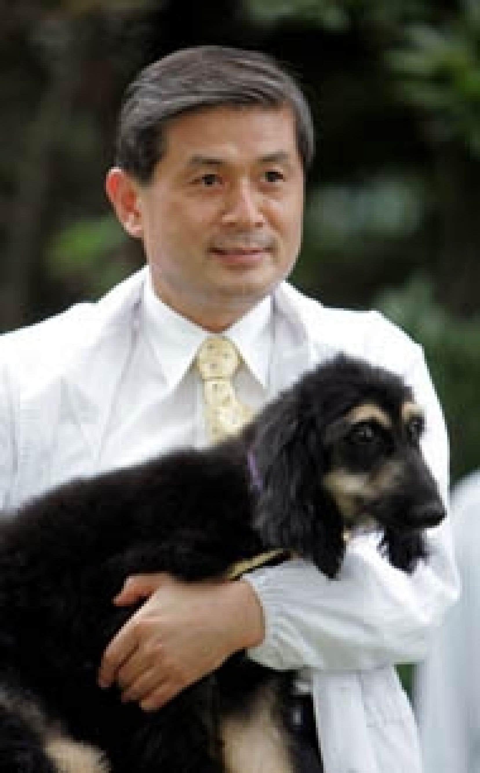La commission d'enquête se penchera maintenant sur des travaux effectués en 2004, portant sur le clonage des premiers embryons humains pour la recherche et sur le premier chien cloné, un lévrier afghan baptisé Snuppy.
