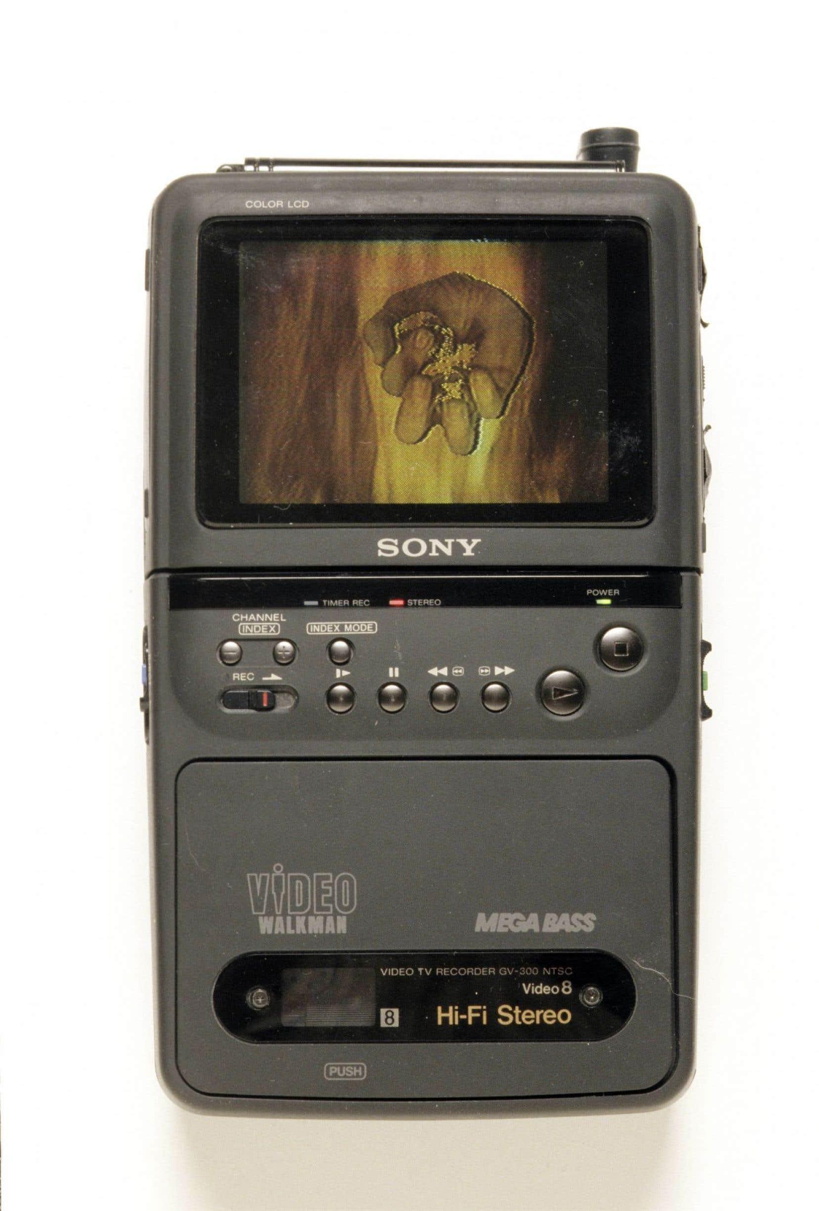 La minute de vérité (14février 1991), de Daniel Dion et Su Schnee (vidéo, lecteur vidéo portable fixé au mur)