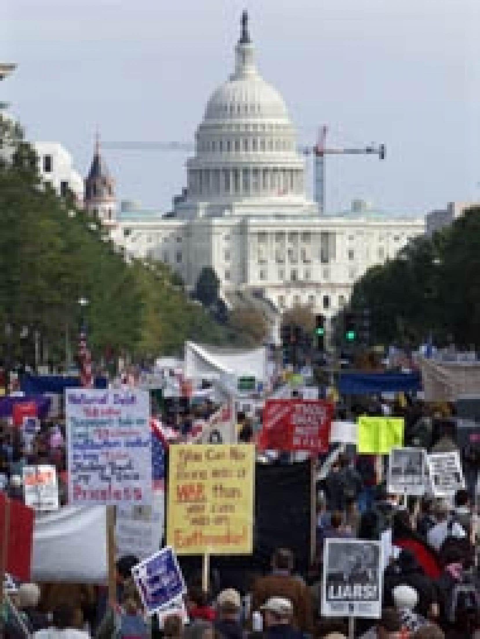 En octobre 2003, plusieurs milliers de manifestants s'étaient rassemblés à Washington pour protester contre la guerre en Irak.
