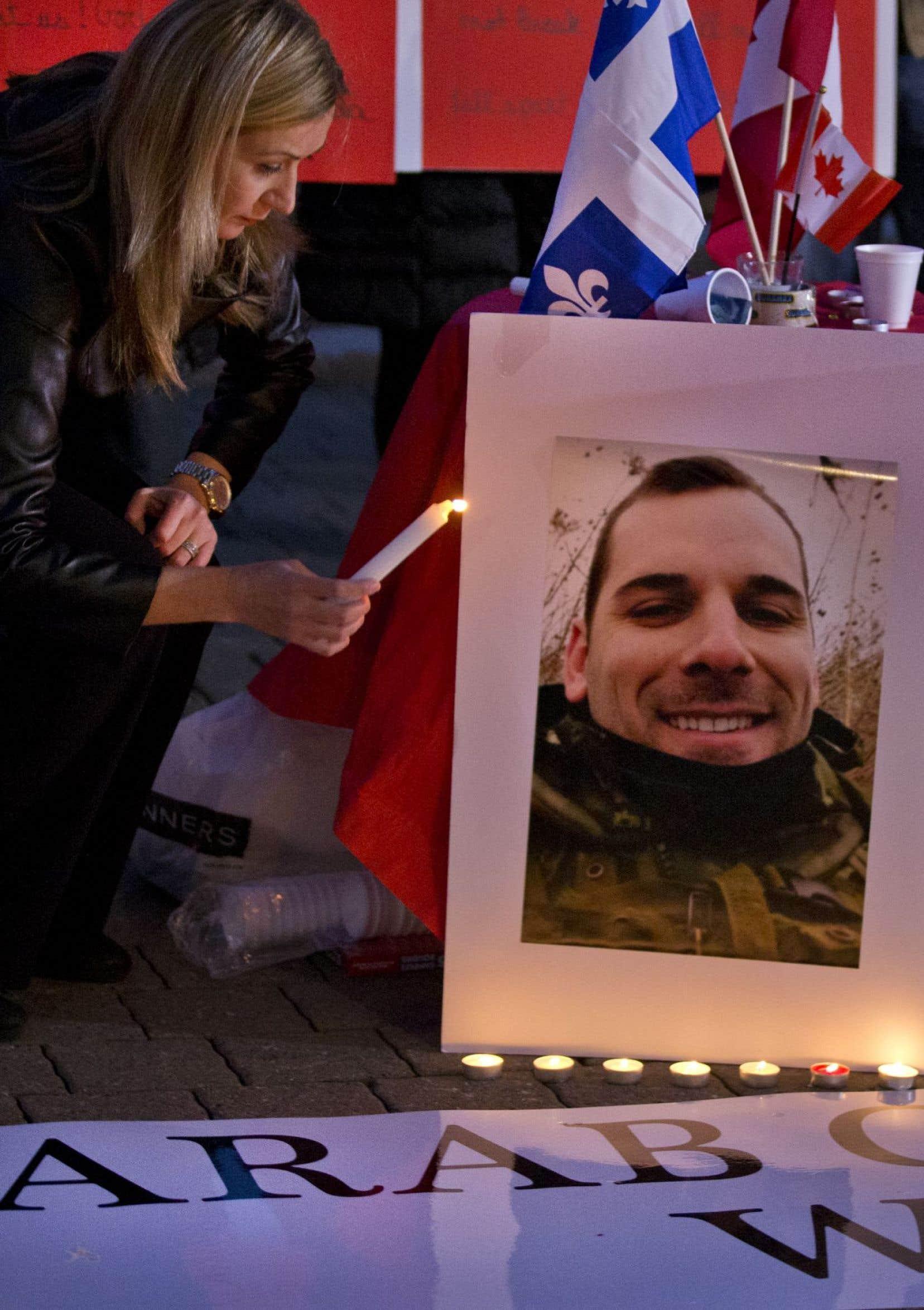 Avec des bougies en main, une vingtaine de Québécoises d'origine syrienne, jordanienne, libanaise et maghrébine ont voulu transmettre un message, disent-elles, d'amour et de paix
