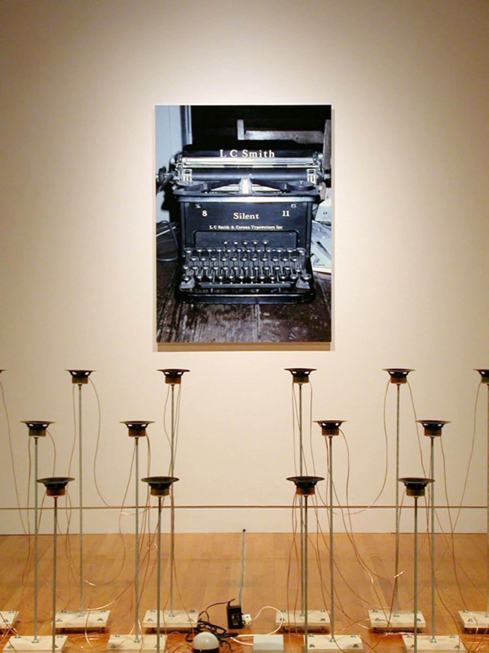 L'origine des espèces, une installation de l'artiste Jocelyn Robert, directeur de l'École des arts visuels de l'Université Laval, montée à Montréal puis à Berlin