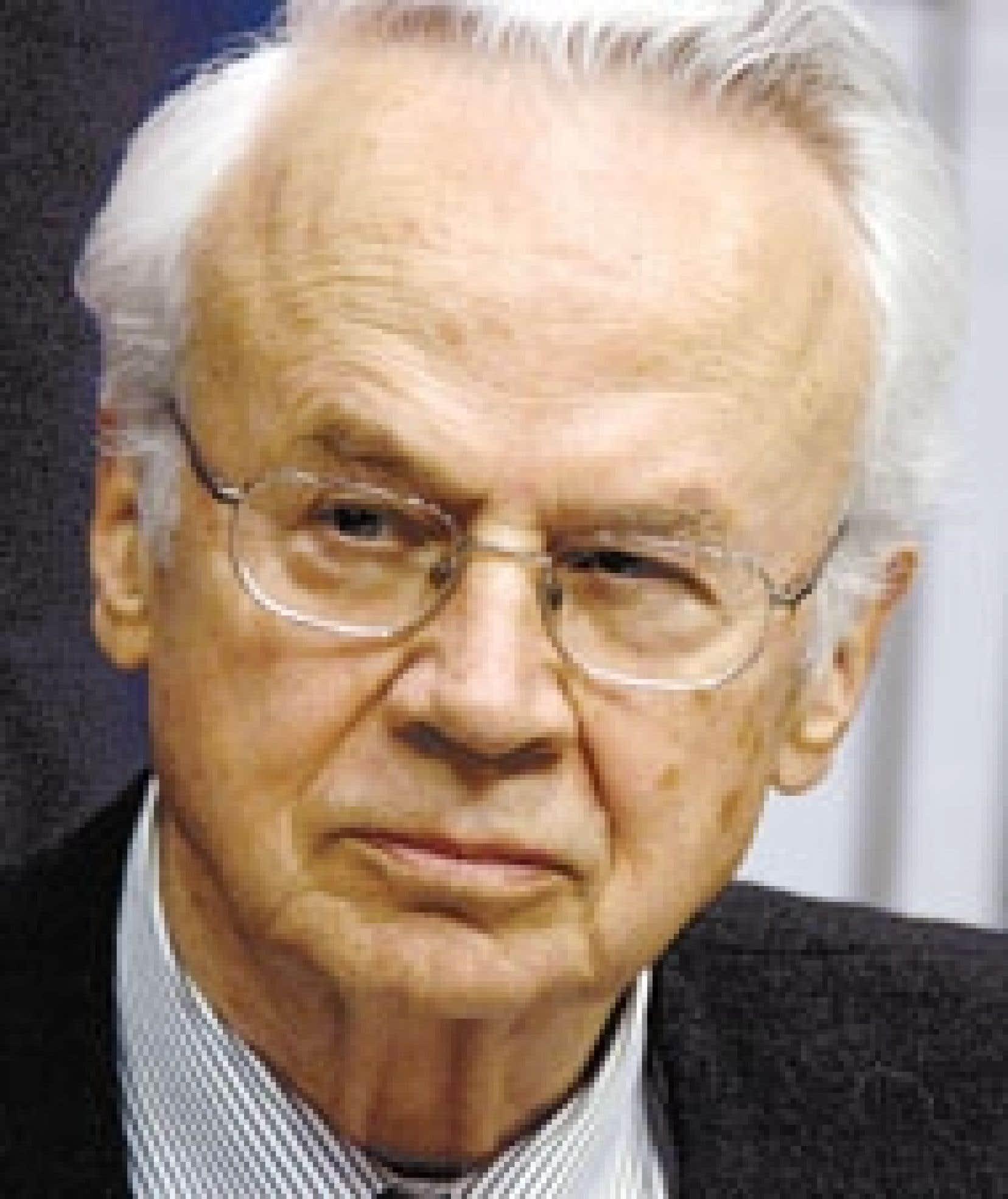 Jacques Corriveau, qui s'est décrit comme un designer de réputation internationale, semblait sur la défensive.
