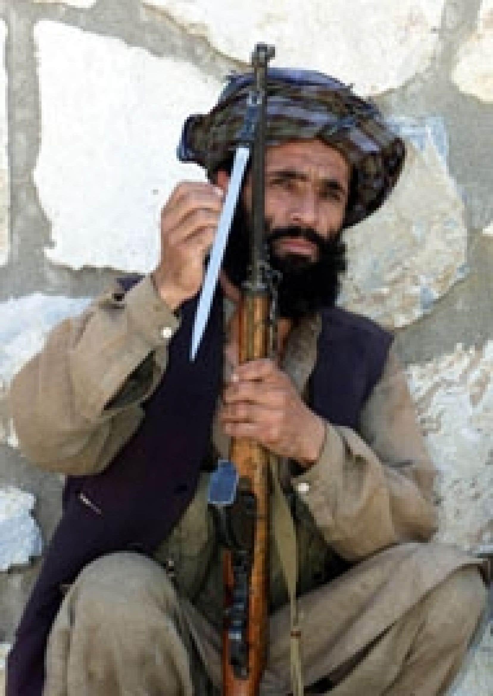 Réfugiés au Pakistan depuis l'intervention américaine qui a renversé leur régime, les talibans, aujourd'hui fatigués, de moins en moins nombreux, seraient prêts à déposer les armes et à retourner dans leurs villages.