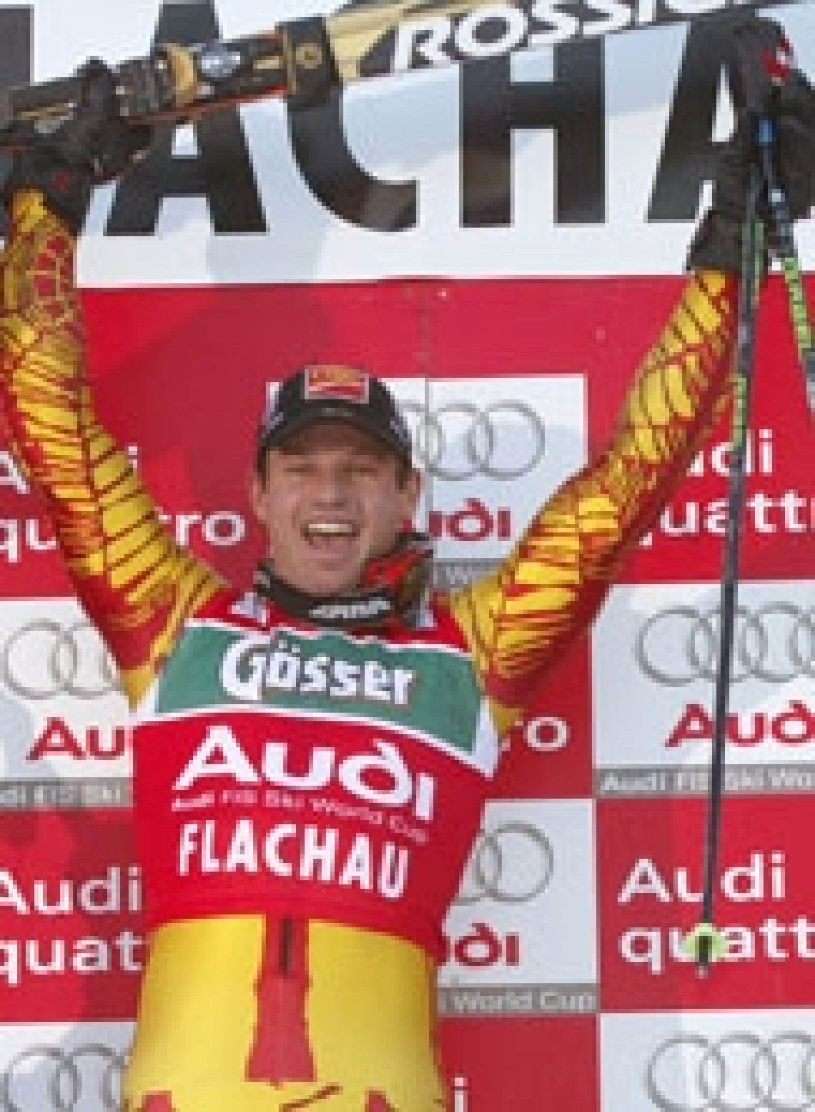 Thomas Grandi célébrant sa victoire d'hier à Flachau, en Autriche.