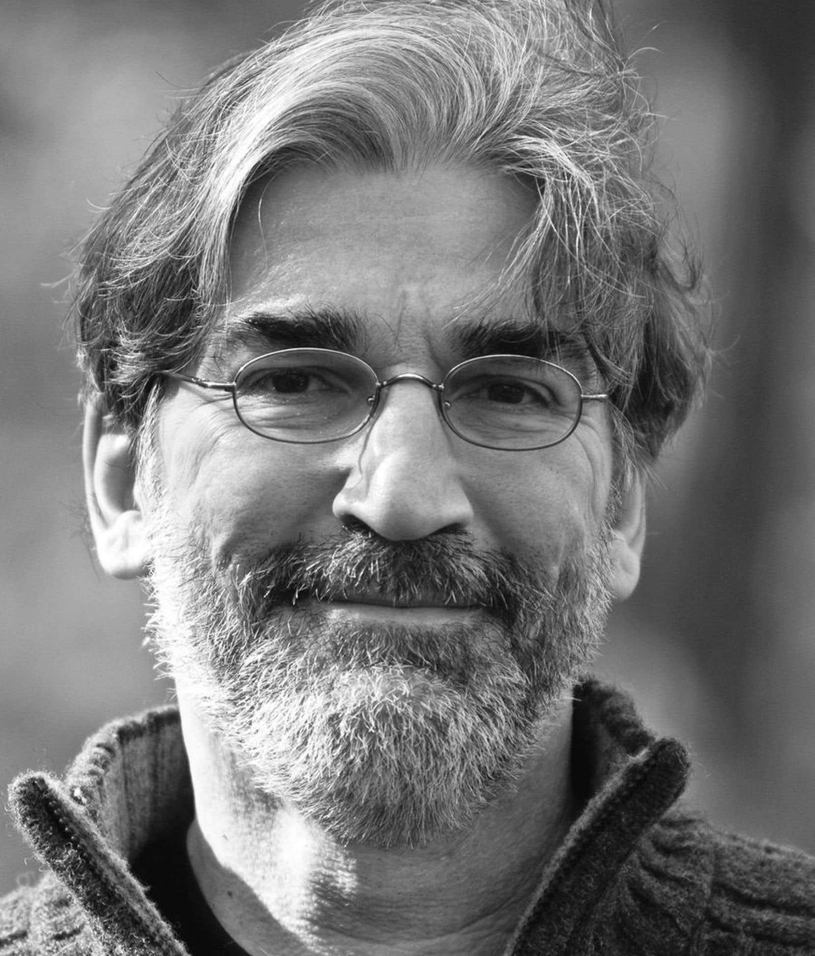 Pendant que Jean Lemieux passait de son ancien éditeur à Québec Amérique, son personnage André Surprenant quittait, lui, la Sûreté du Québec pour rejoindre le SPVM.