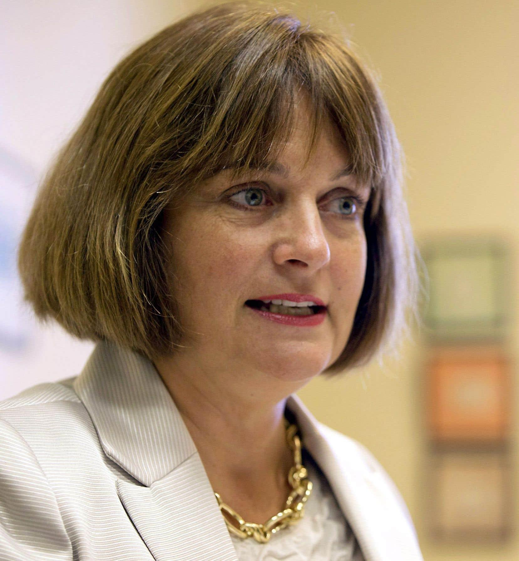 Julie Miville-Dechêne affirme qu'elle doit défendre les femmes utilisatrices du système de santé.