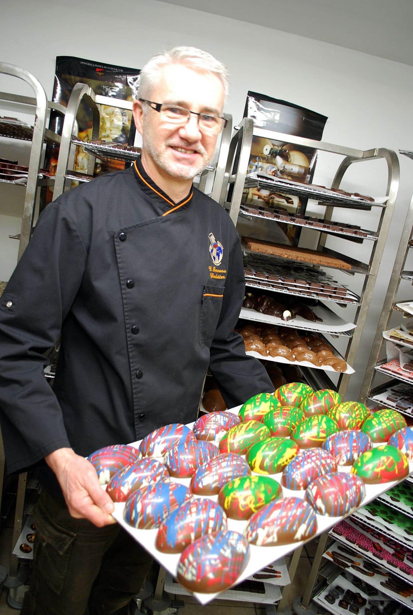Rue Fleury, à Montréal, le chocolatier Yves Bonneau pratique son art depuis 25ans.