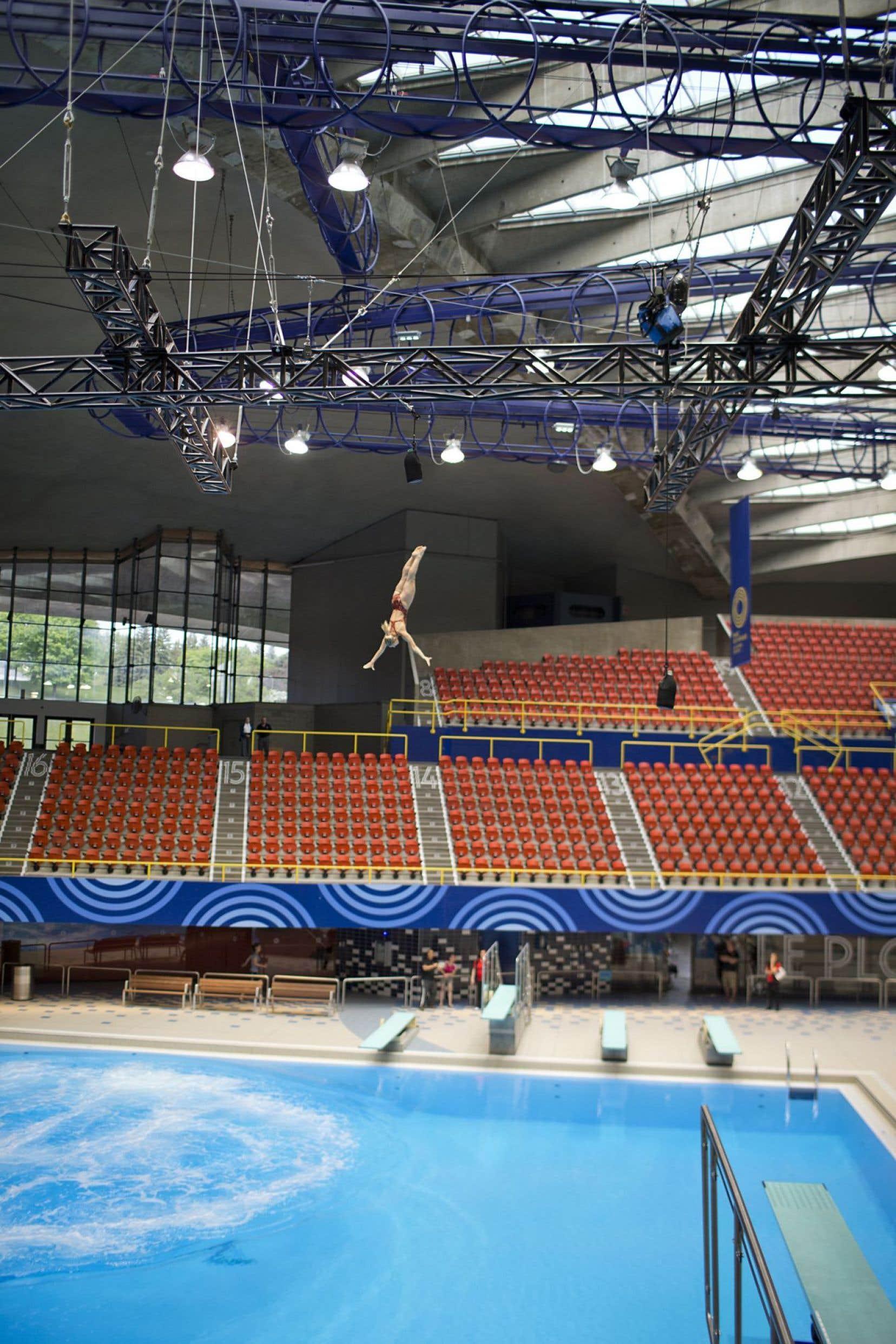 Un nouveau tremplin flotte à 27 mètres au-dessus de l'eau pour accueillir les adeptes de la nouvelle discipline de la FINA: le plongeon de haut vol.