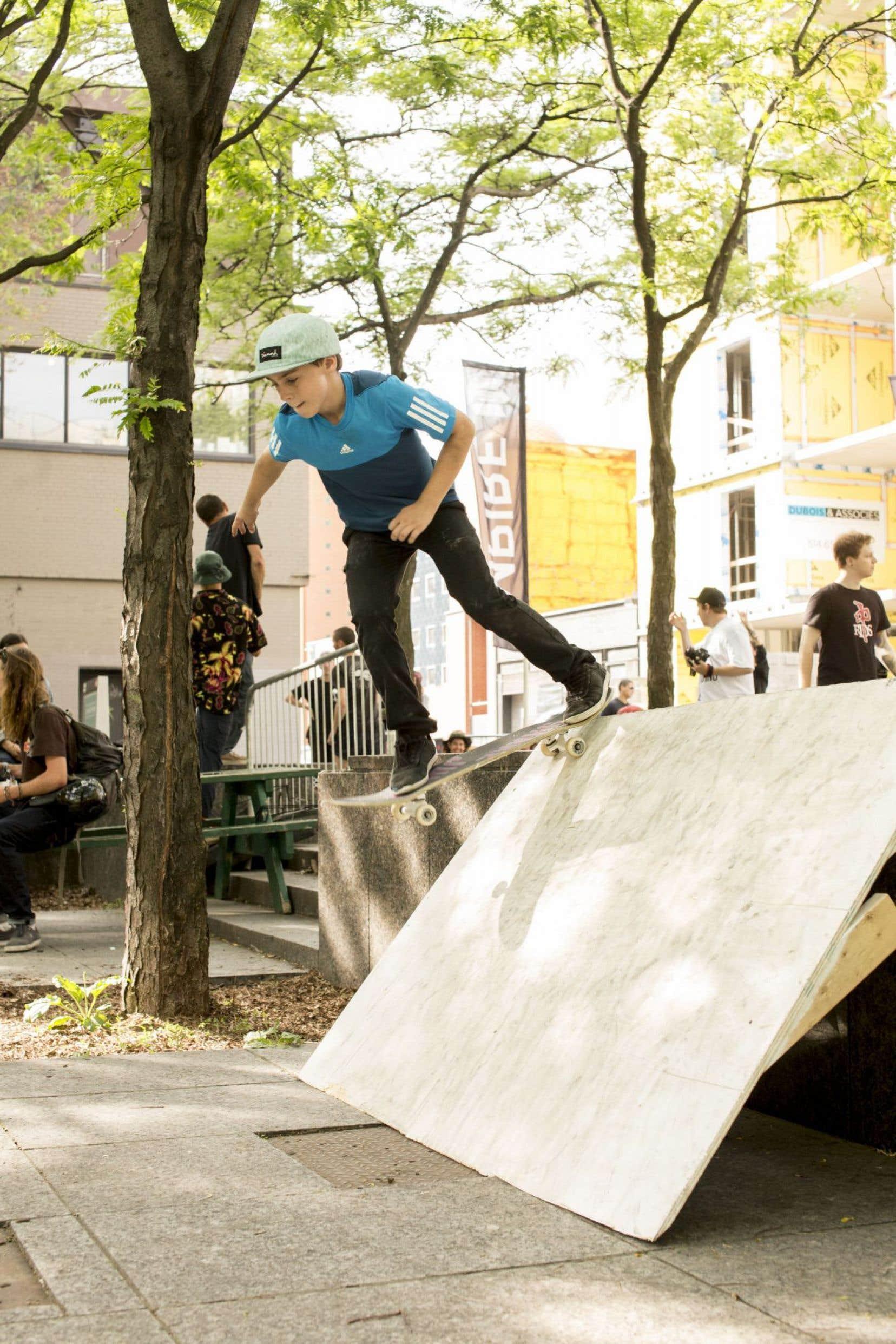 Pour lancer officiellement la saison, lors de la Journée internationale du Skateboard, le 21juin dernier, la place de la Paix a accueilli les adeptes de planche à roulettes de tous âges.