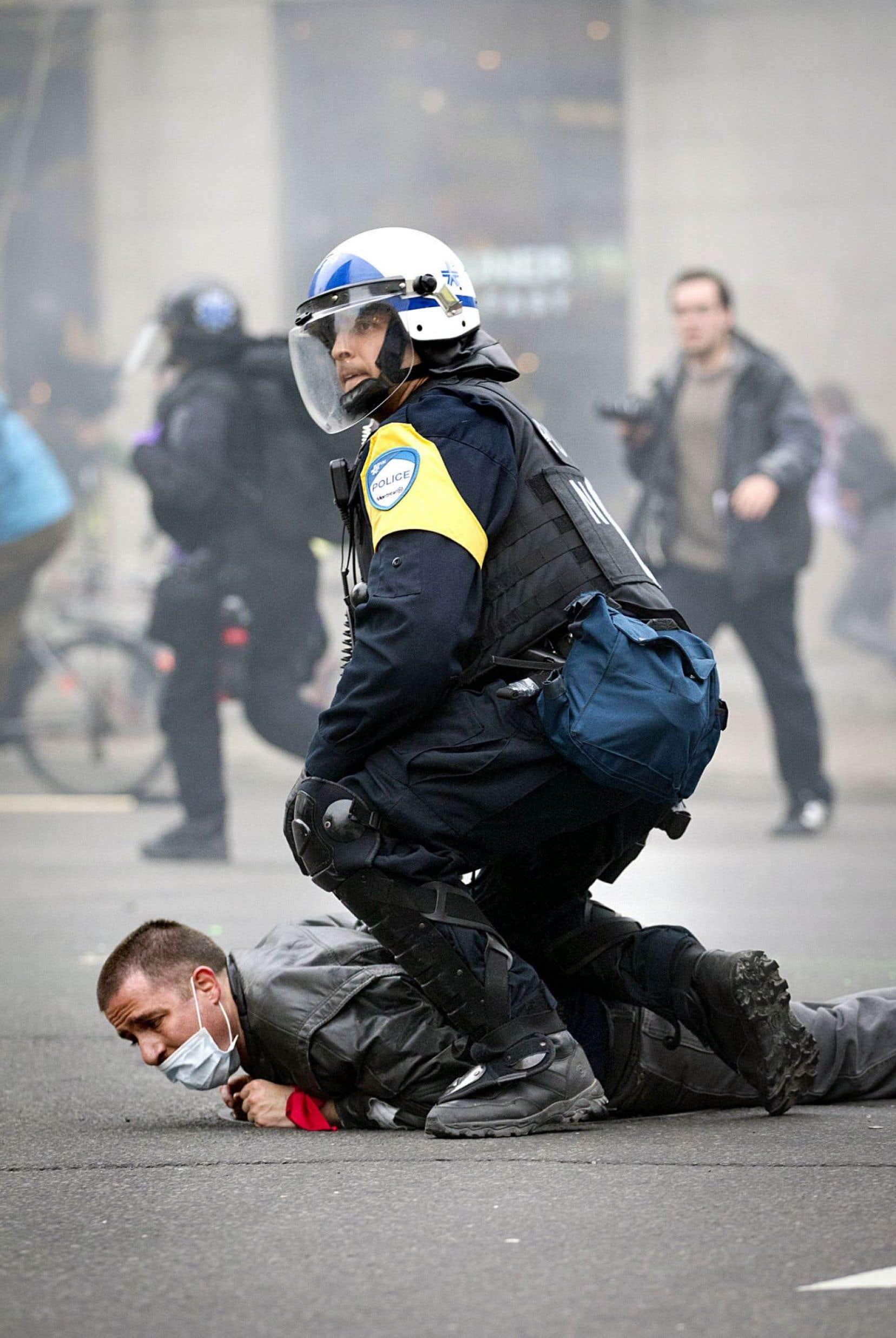 Selon un rapport de la Ligue des droits et libertés, il y a eu près de 7000 arrestations à caractère politique au Québec depuis 2011.