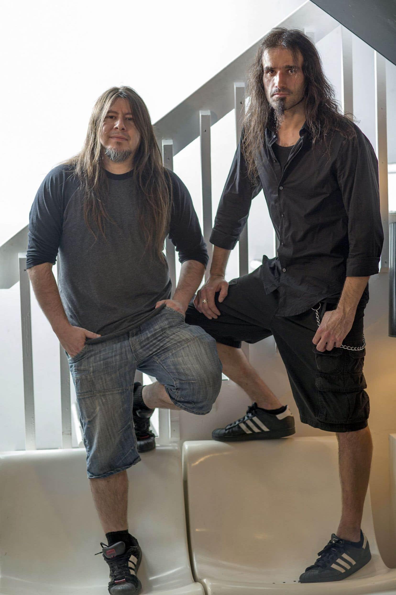 Carlos Araya et Oscar Souto comptent 26 ans de carrière au sein du groupe de trash métal Anonymus.