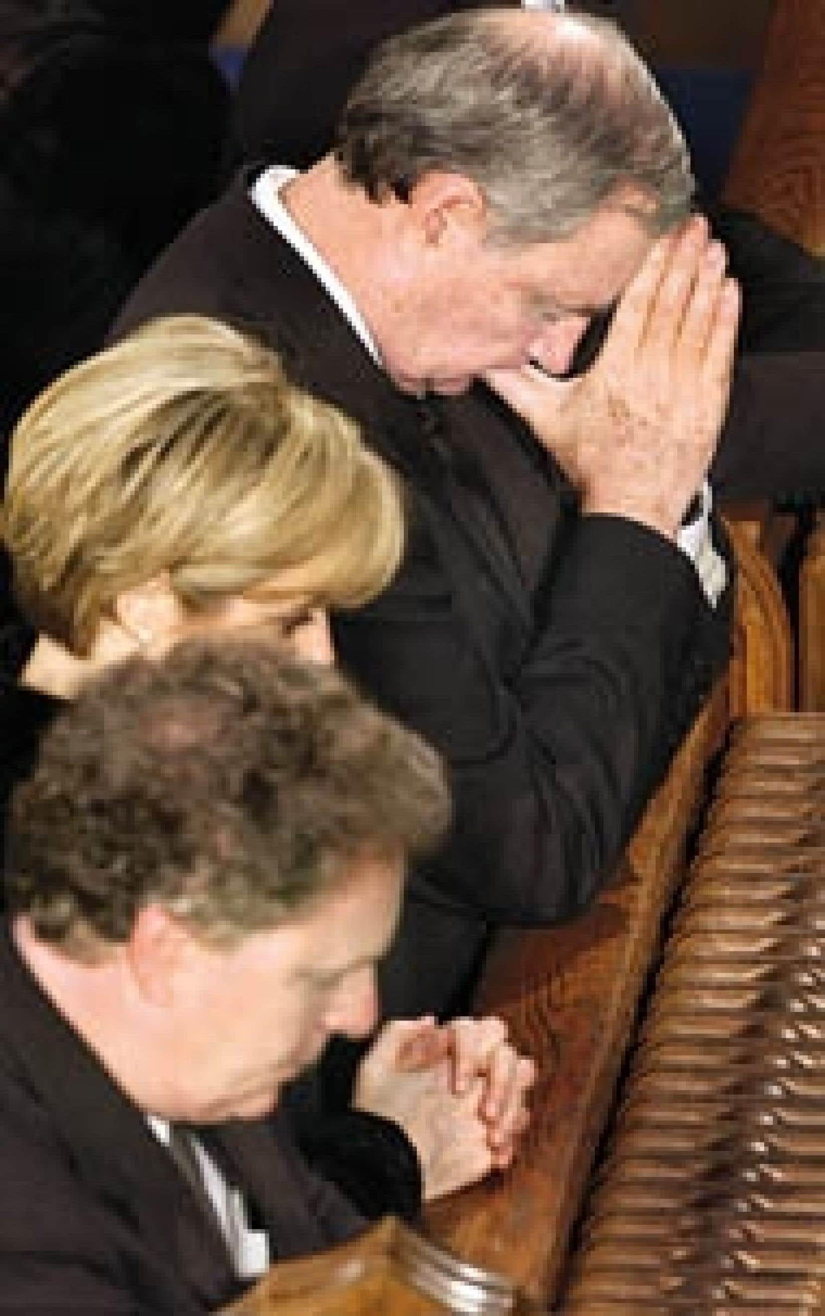 Les funérailles nationales en l'honneur de Claude Ryan ont eu lieu hier à la basilique Notre-Dame. La cérémonie, marquée à la fois par la sobriété et la solennité, a notamment réuni plusieurs personnalités du monde politique, dont les premie