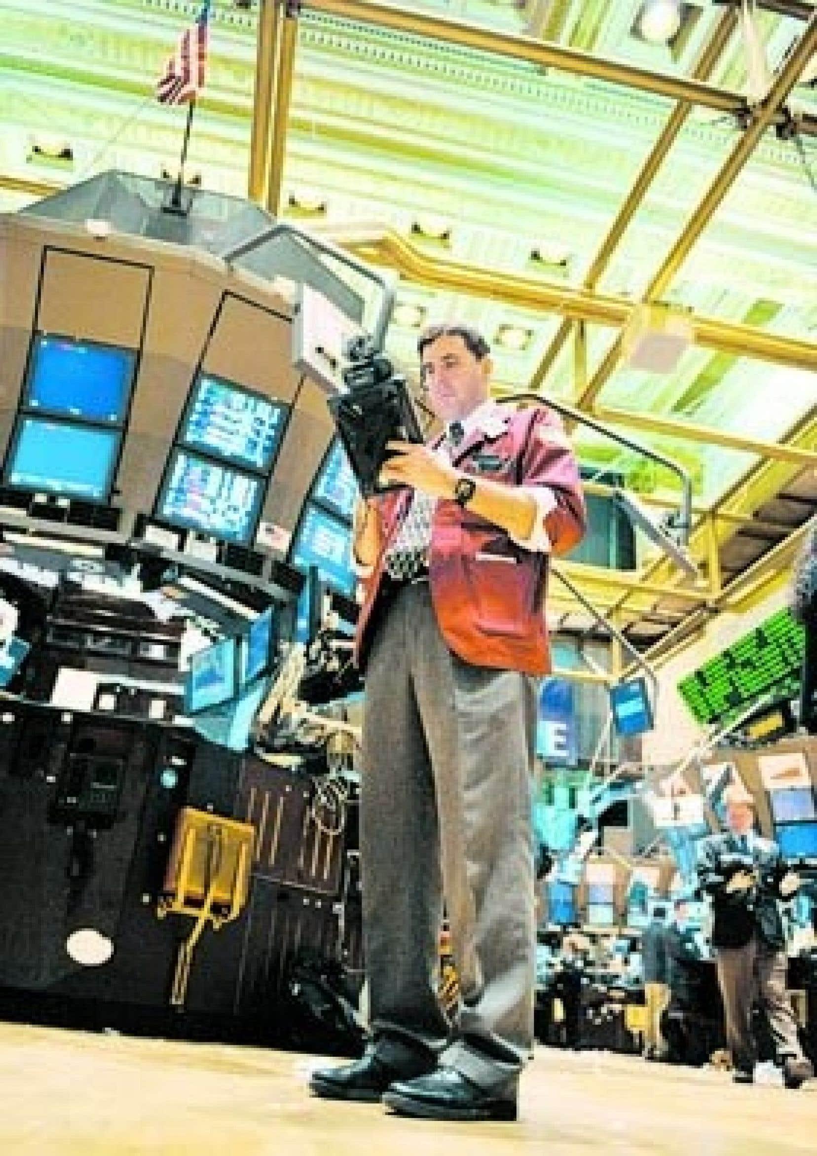 Les marchés ont semblé apprécier les annonces et précisions de la Fed. L'indice Dow Jones a gagné 90,88 points en finissant la journée à 7486,58 points. À Toronto, l'indice S&P/TSX a terminé sur un gain de 69,5 points, à 8629,10.