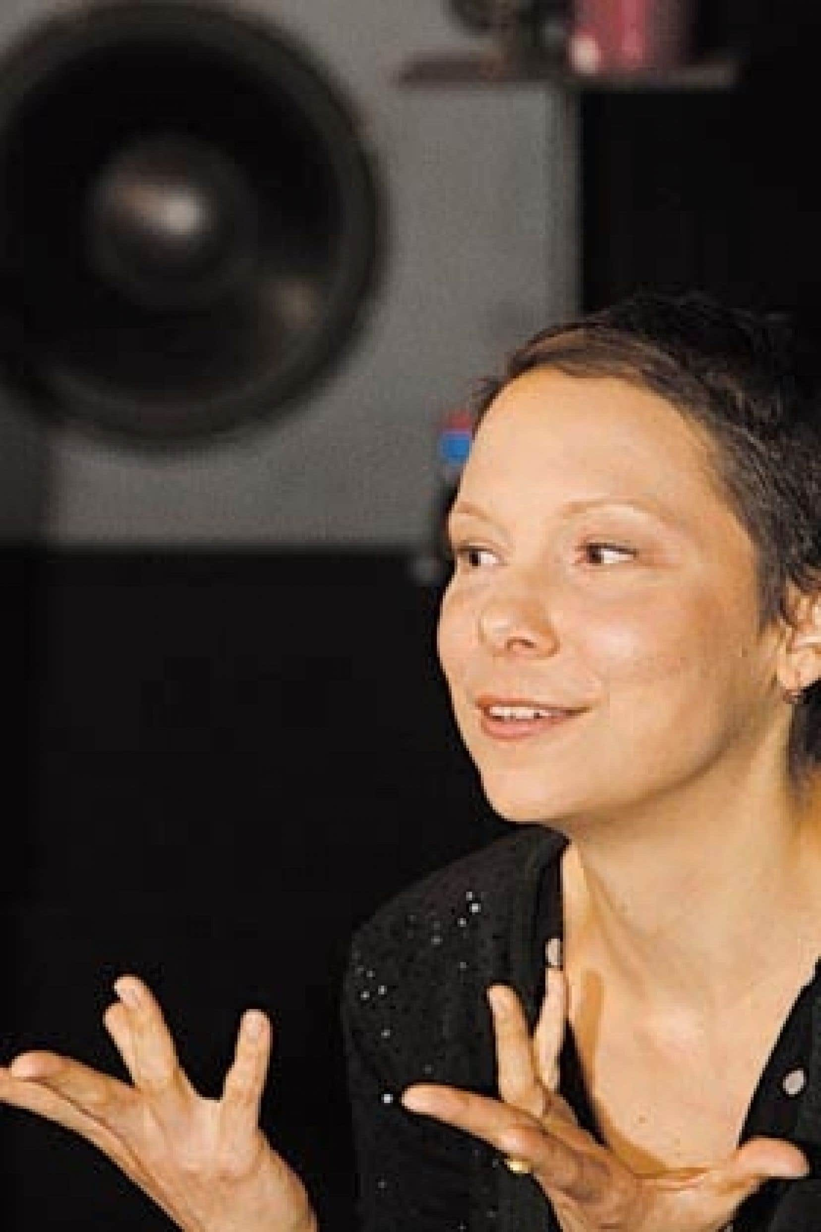 La chanteuse Lhasa de Sela a présenté hier quatre des pièces qui composent son troisième album, à paraître dans un mois.