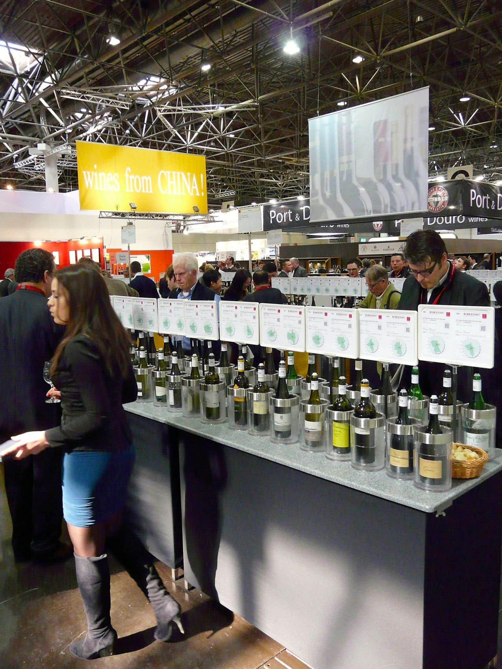 Pas facile de départager les vins de la vieille Europe des vins du Nouveau Monde. Ici, le salon Prowein en Allemagne.