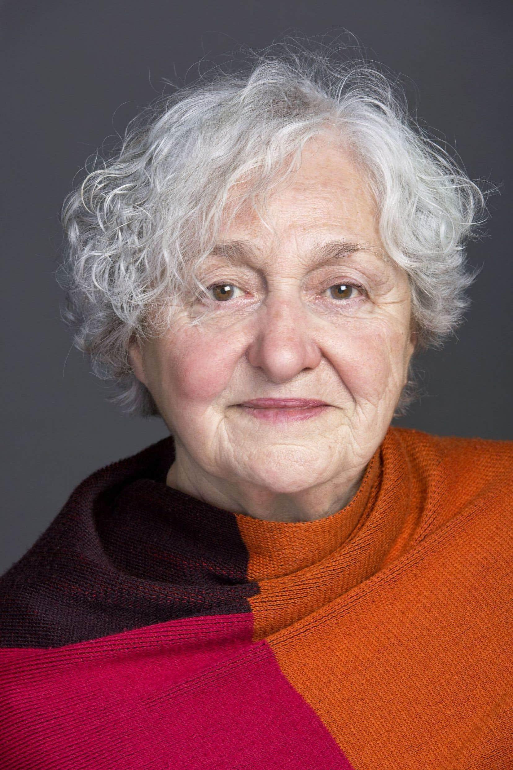 C'est en 1946, en 5eannée du primaire, que s'éveille la conscience politique d'Andrée Ferretti. Aujourd'hui, à 80ans, elle raconte son parcours politique et son désir d'indépendance avec intelligence, fougue et simplicité.