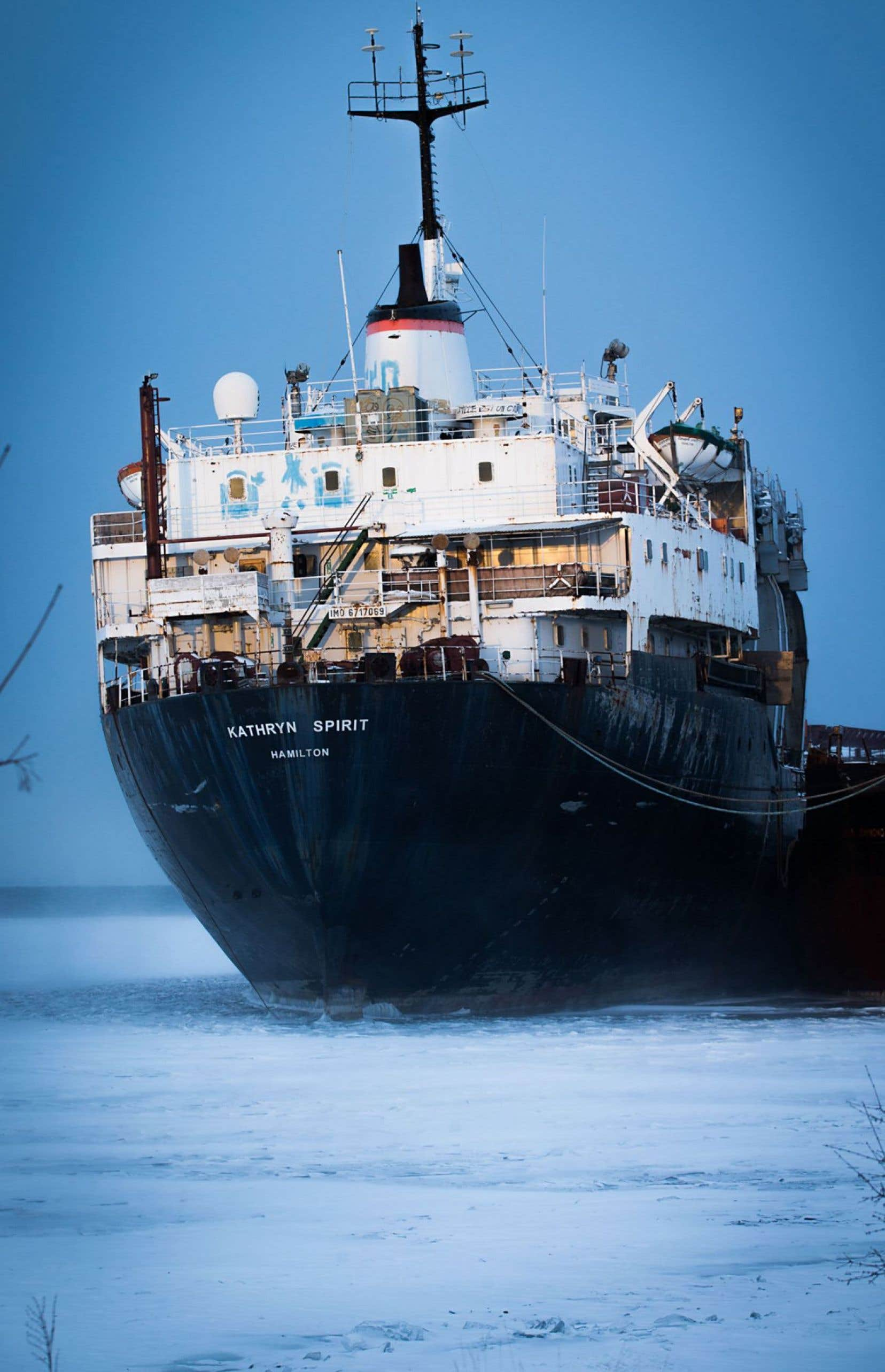 Ce vieux cargo en partie démantelé et désormais officiellement à l'abandon est «une épave sans propriétaire», a souligné le maire Coderre. Cela signifie que le navire est sous la responsabilité du gouvernement fédéral.