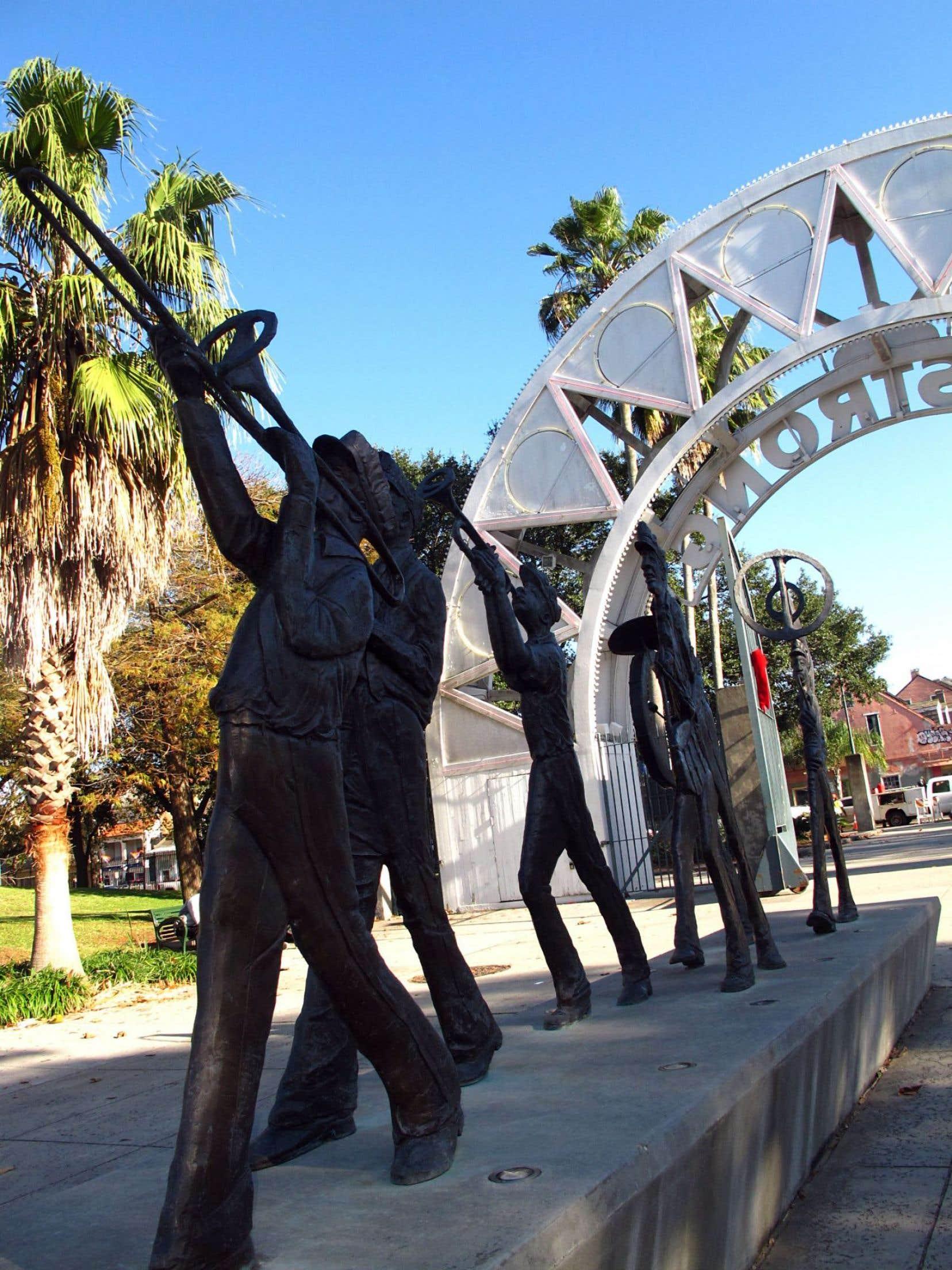 Le beau parc Louis Armstrong est sur le site d'un ancien lieu de rassemblement des esclaves. Ici, les chants de joie et de désespoir sont souvent liés.