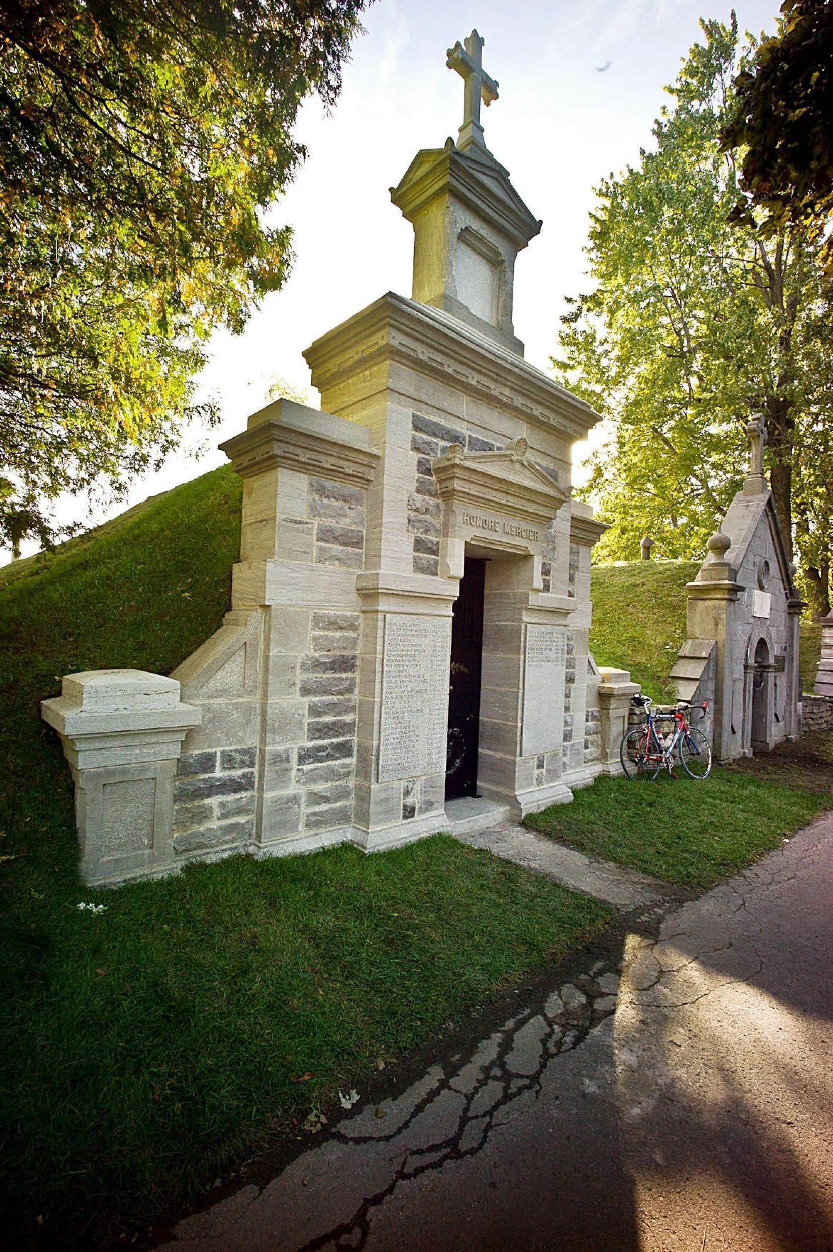 Le mausolée d'Honoré Mercier