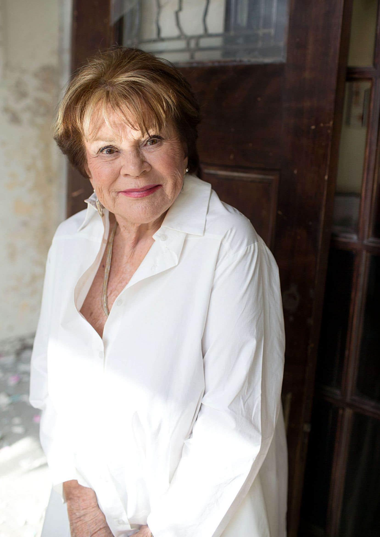 Janette Bertrand nous questionne sur le genre de vieillesse qu'on peut, qu'on veut se donner.