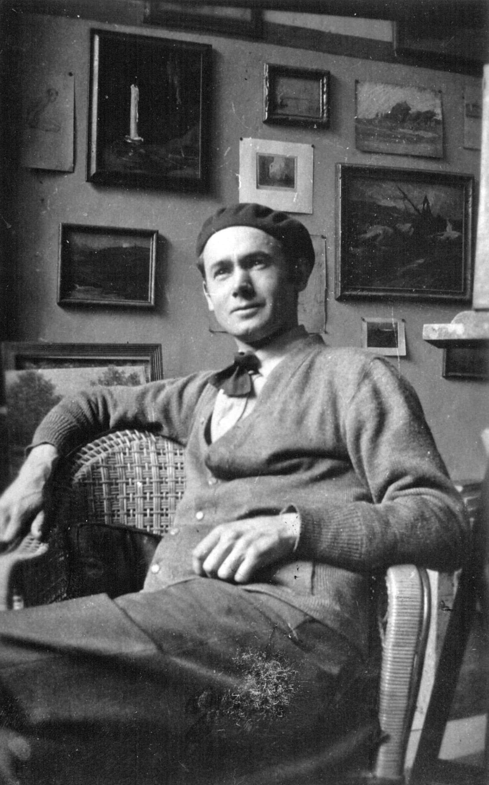 Rodophe Duguay dans son atelier à Paris en 1925.
