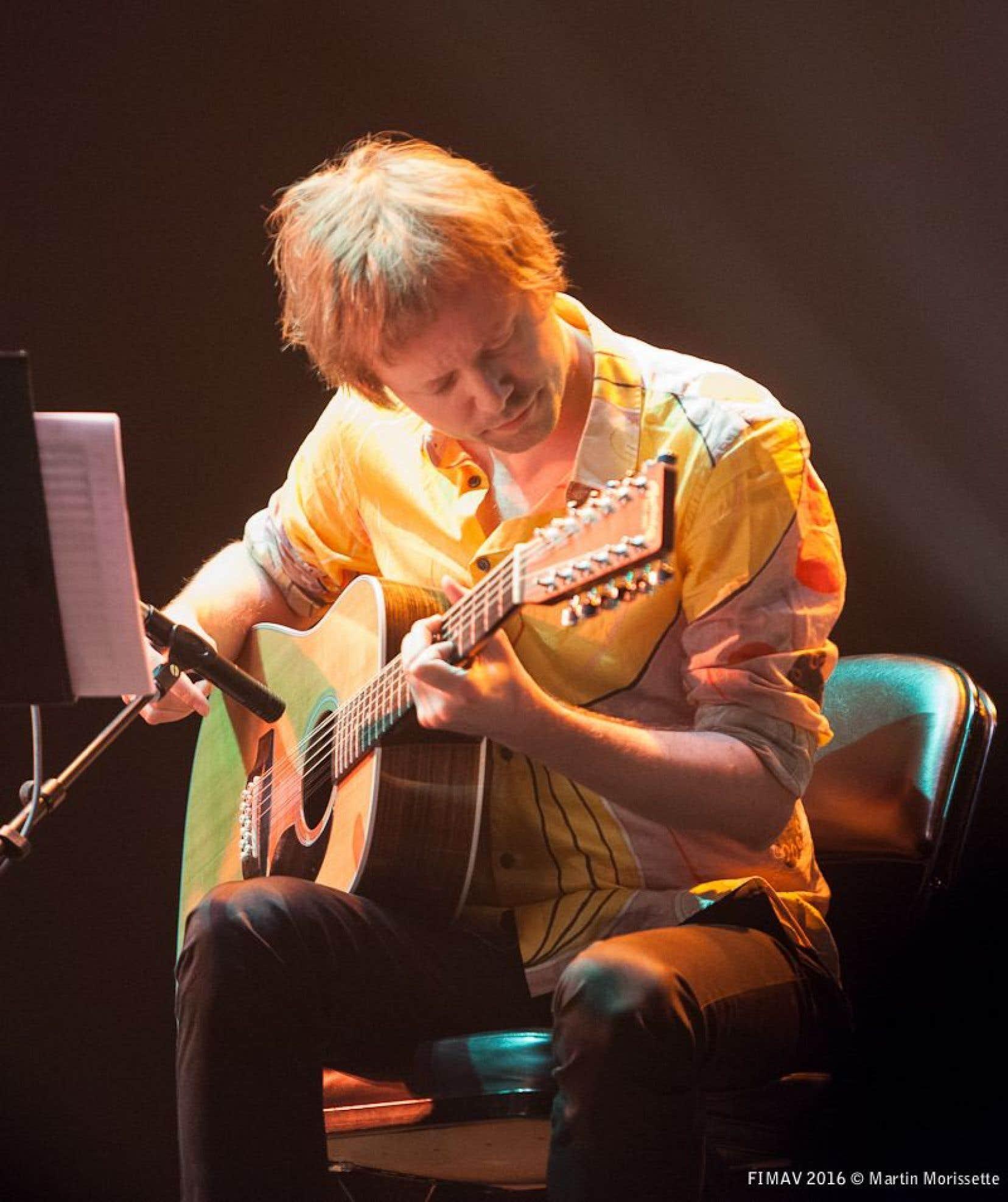 Le guitariste norvégien Kim Myhr était venu présenter une œuvre de 50 minutes avec ses acolytes du Quatuor Bozzini.