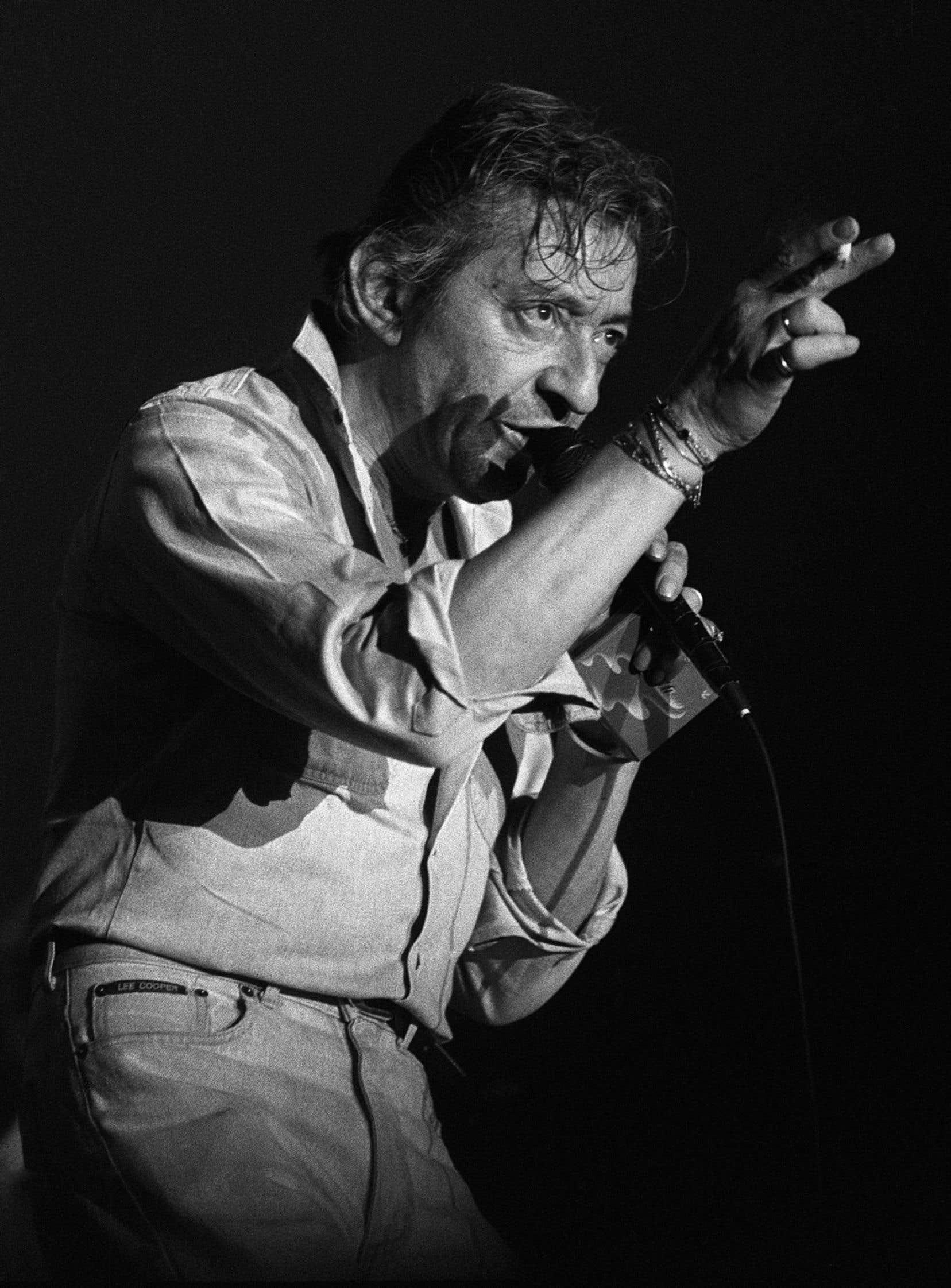 Serge Gainsbourg en concert lors du Printemps de Bourges, le 3 avril 1986