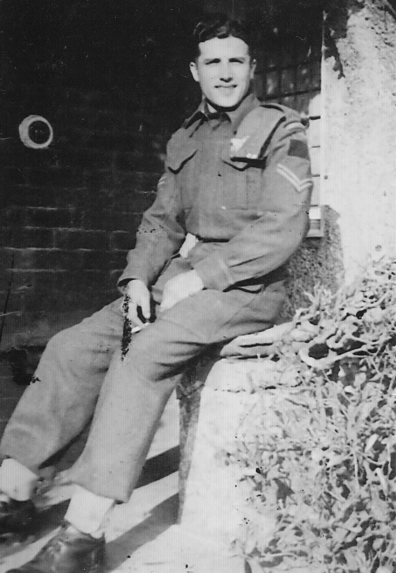 Le sergent Fernand Trépanier photographié en 1942 à Seaford, en Angleterre