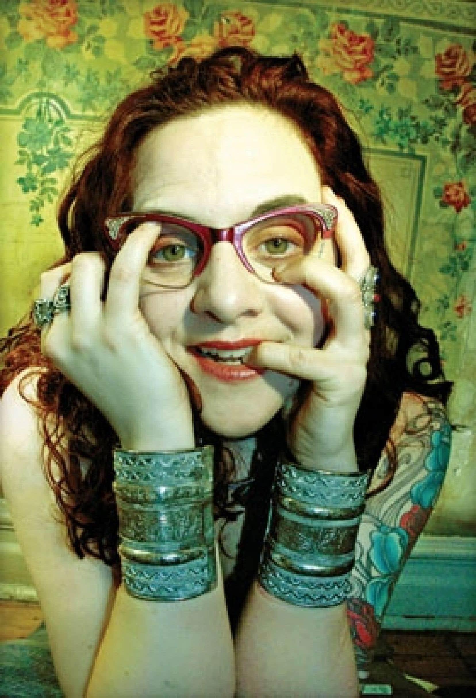 Nathalie Claude agira comme maîtresse de cérémonie du Cabaret Dada surréaliste, qui revient à l'affiche cette année au Festival Voix d'Amérique.